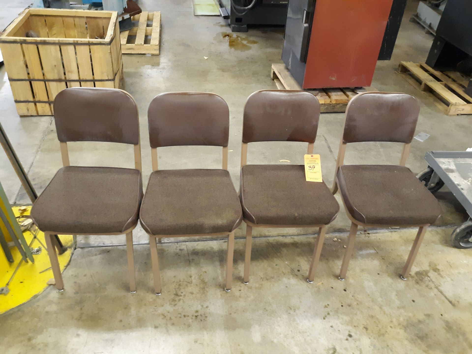 Lot 39 - (4) CUSHIONED METAL FRAME CHAIR: RIGGING FEE:$10