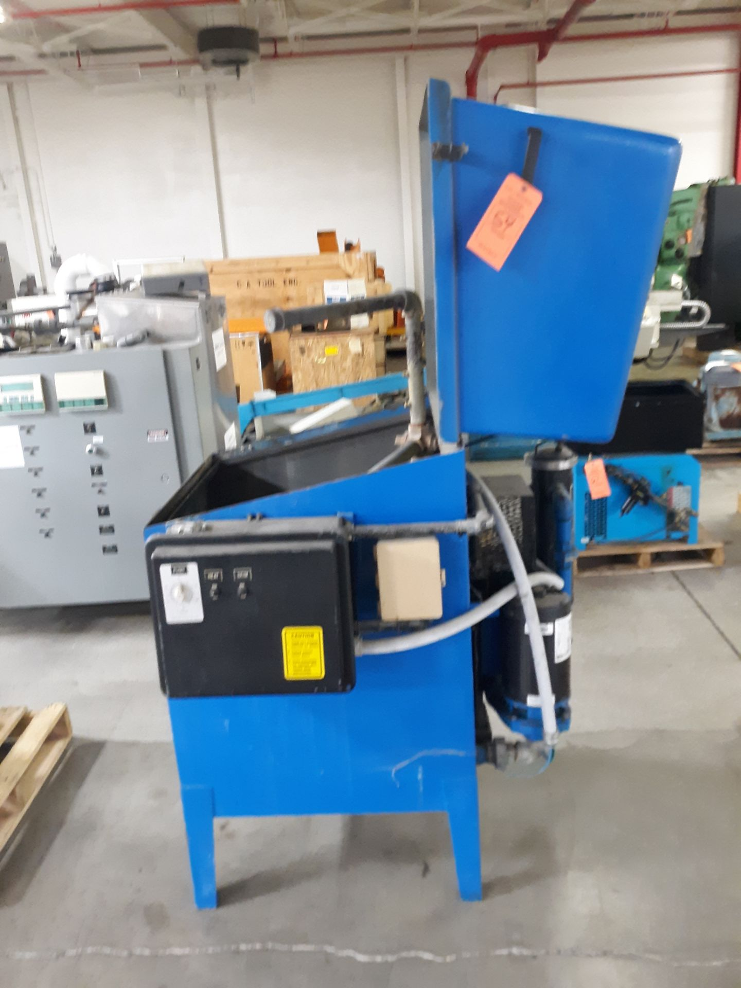 Lot 54 - PARTS WASHER (LOCATED AT: 570 S. MAIN STREET, CHURUBUSCO, IN 46723) RIGGING FEE: $10