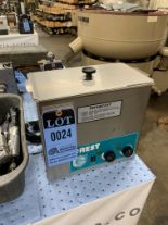 Lot 24 - CREST ULTRA SONIC CLEANER