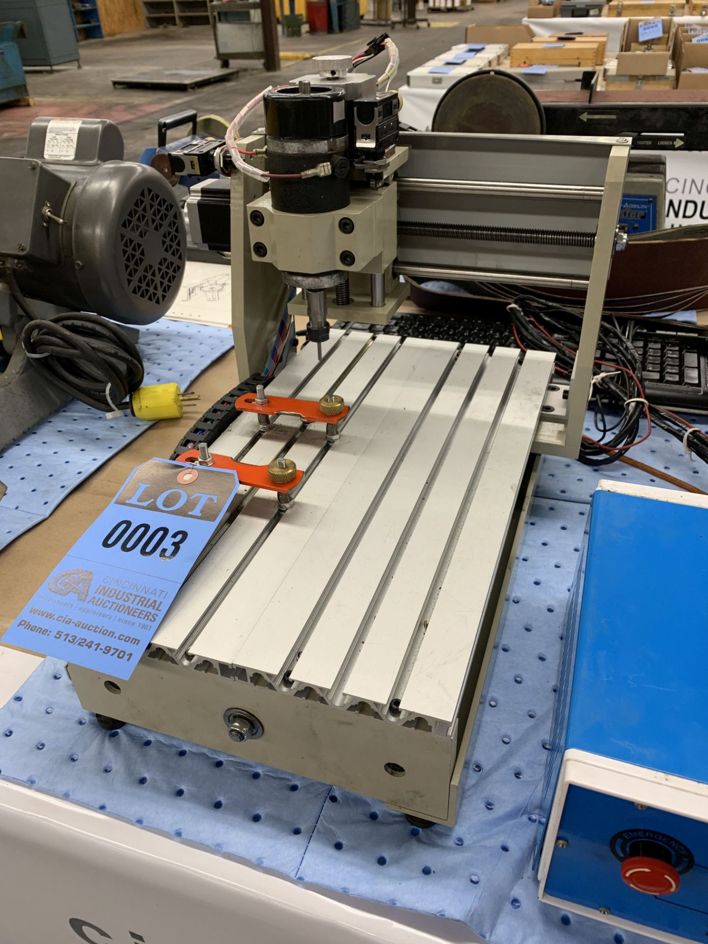 Lot 3 - PROGRAMMABLE ETCHING MACHINE WITH MINI-CNC CONTROLLER