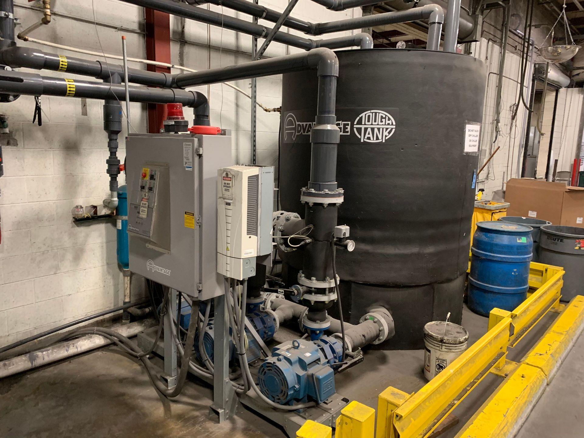 Lot 26 - 1,500 GALLON ADVANTAGE ENGINEERING MODEL TTKC-1500-3P THREE-PUMP SKID MOUNTED POLY INSULATED CHILLED