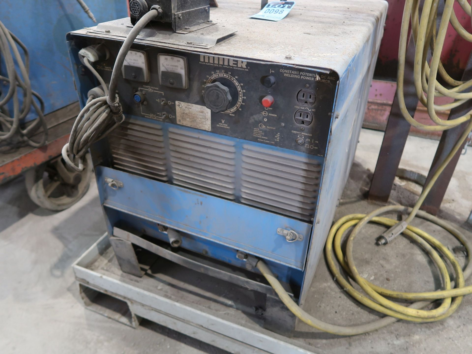 Lot 98 - 650 AMP MILLER MODEL DELTAWELD 650 CONSTANT POTENTIAL DC ARC WELDING POWER SOURCE; S/N JG018038