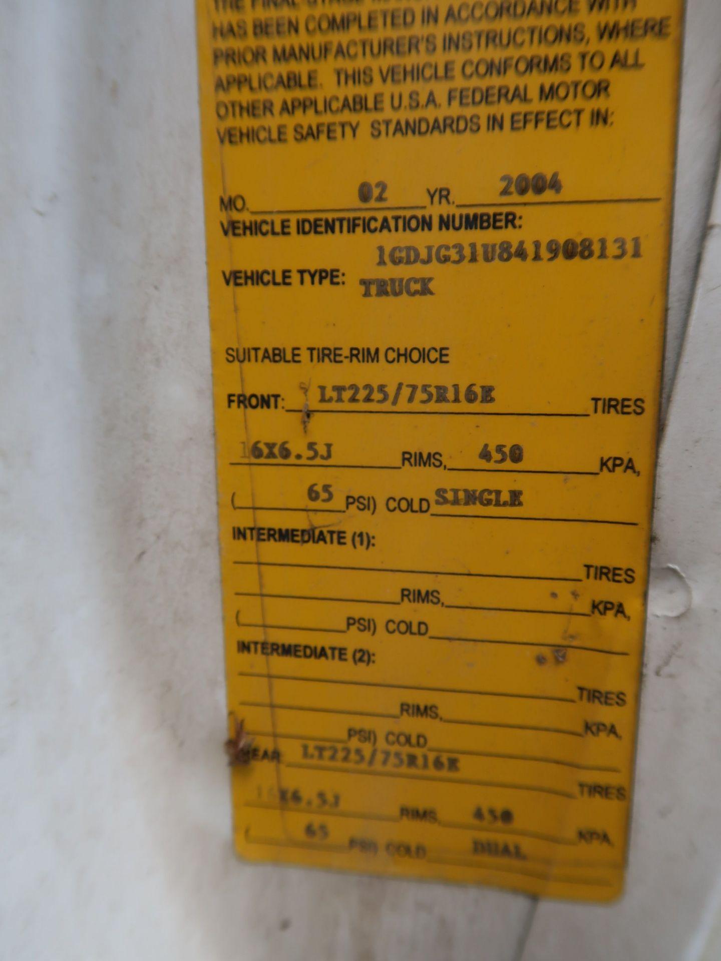 Lot 1000 - 2004 GMC 16' BOX TRUCK; VIN 1GDJG31U841908131, UNKNOWN MILES (UNIT 690)