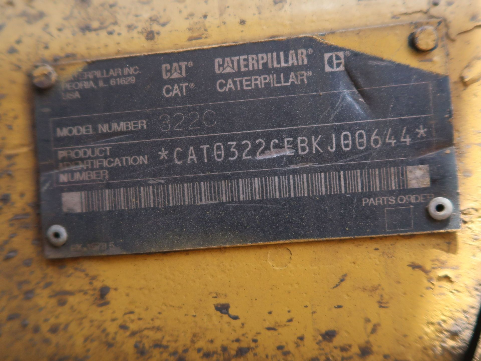 "Lot 1031 - 2002 CATERPILLAR MODEL 322CL HYDRAULIC EXCAVATOR; S/N BKJ00644, 27-1/2"" WIDE TRACKS, CAB AC,"