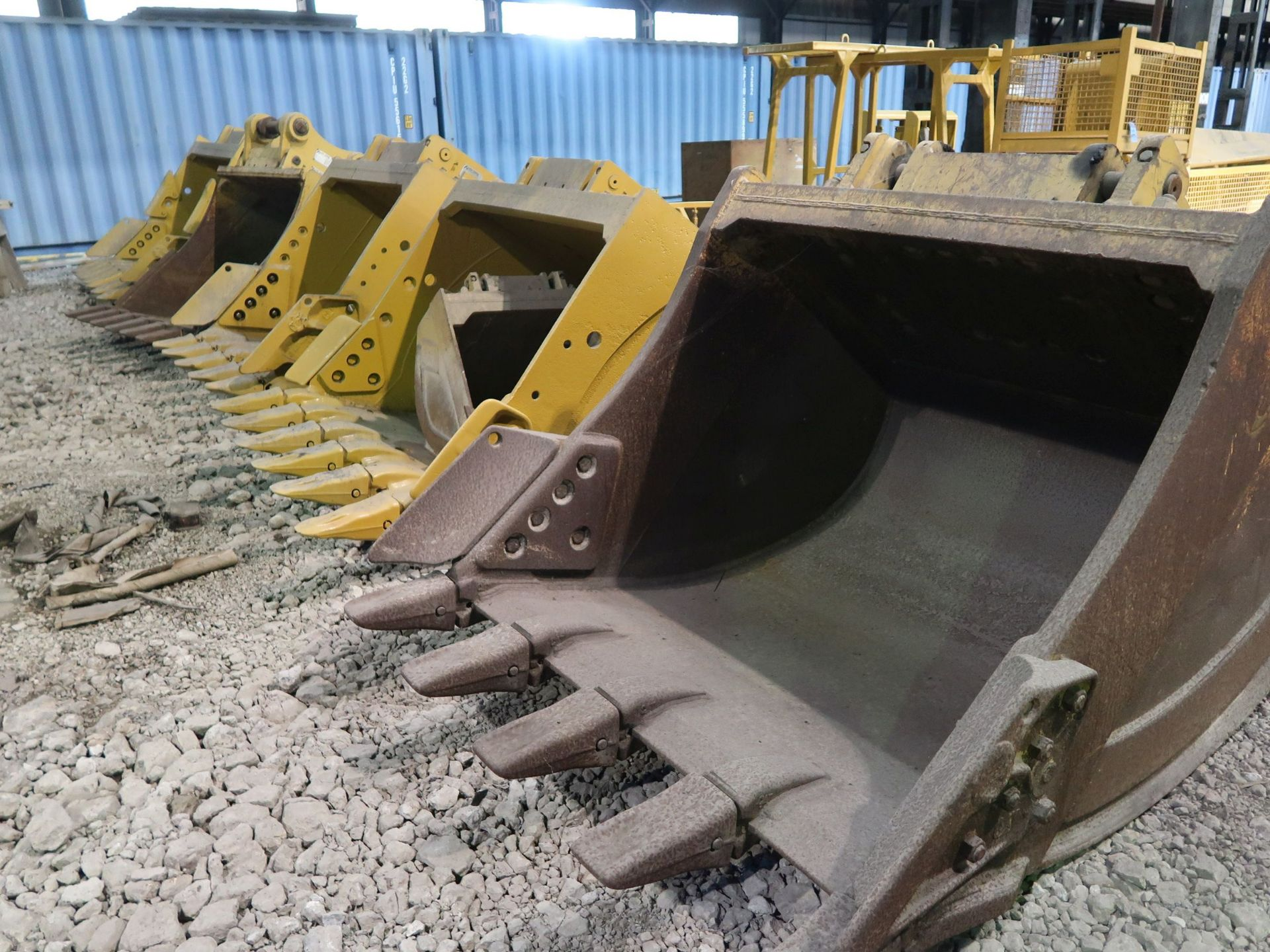 Lot 1519 - VARIOUS SIZE EXCAVATOR BUCKETS