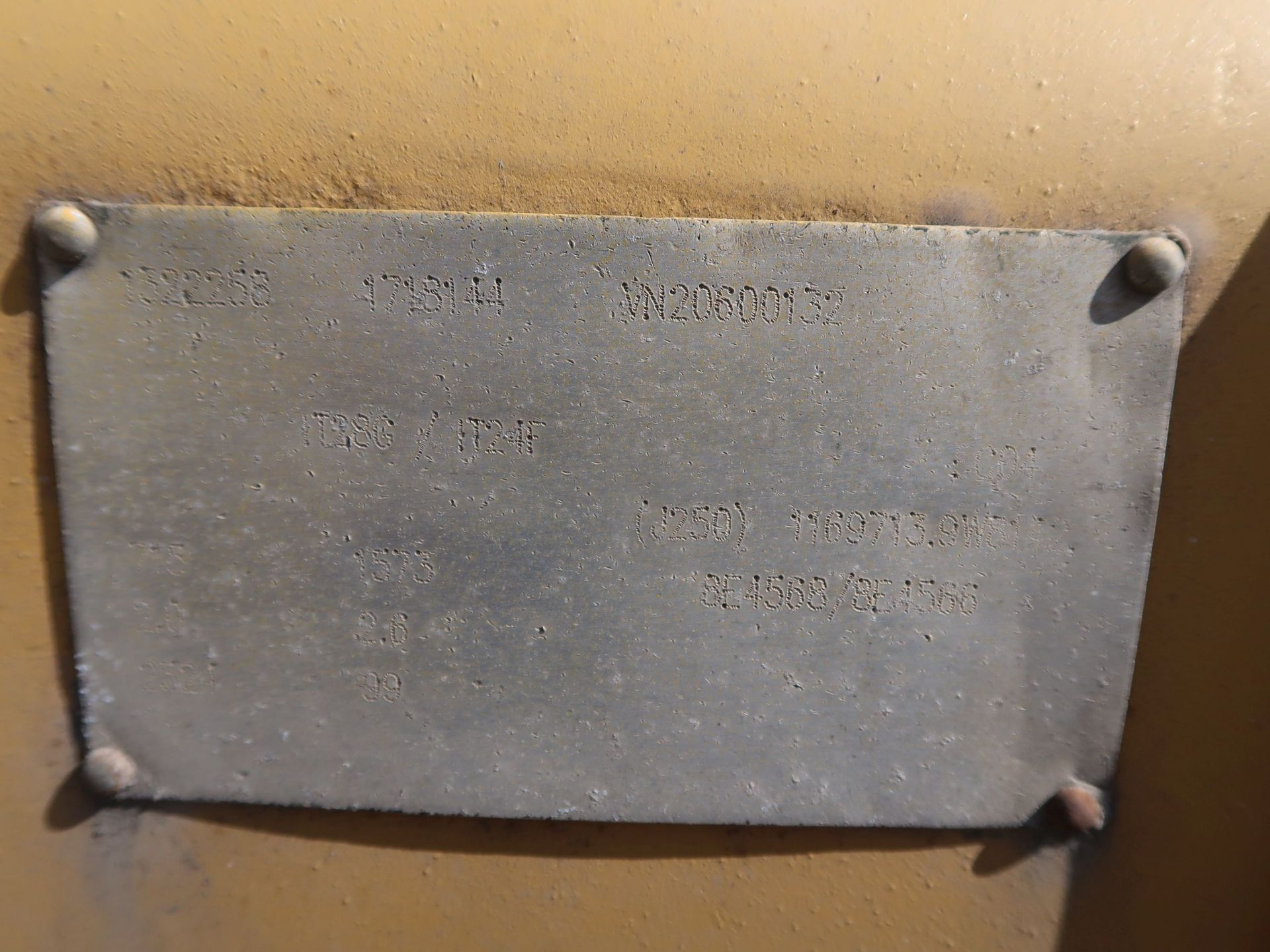 "Lot 1048 - 99"" CATERPILLAR IT28G/ IT24F BUCKET"