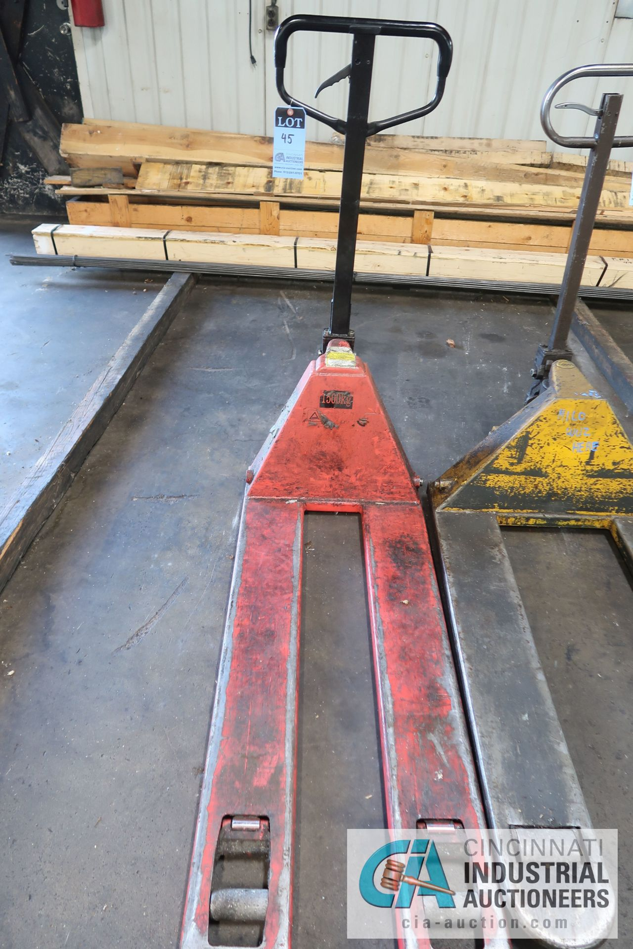 Lot 45 - 5,000 LB. AND 1,500 KG HAND HYDRAULIC PALLET TRUCKS