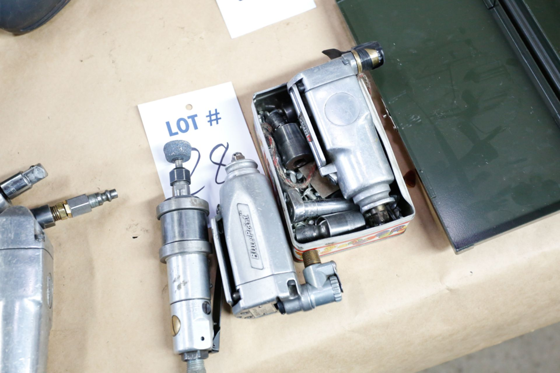 Lotto 28 - (3) PNEUMATIC TOOLS