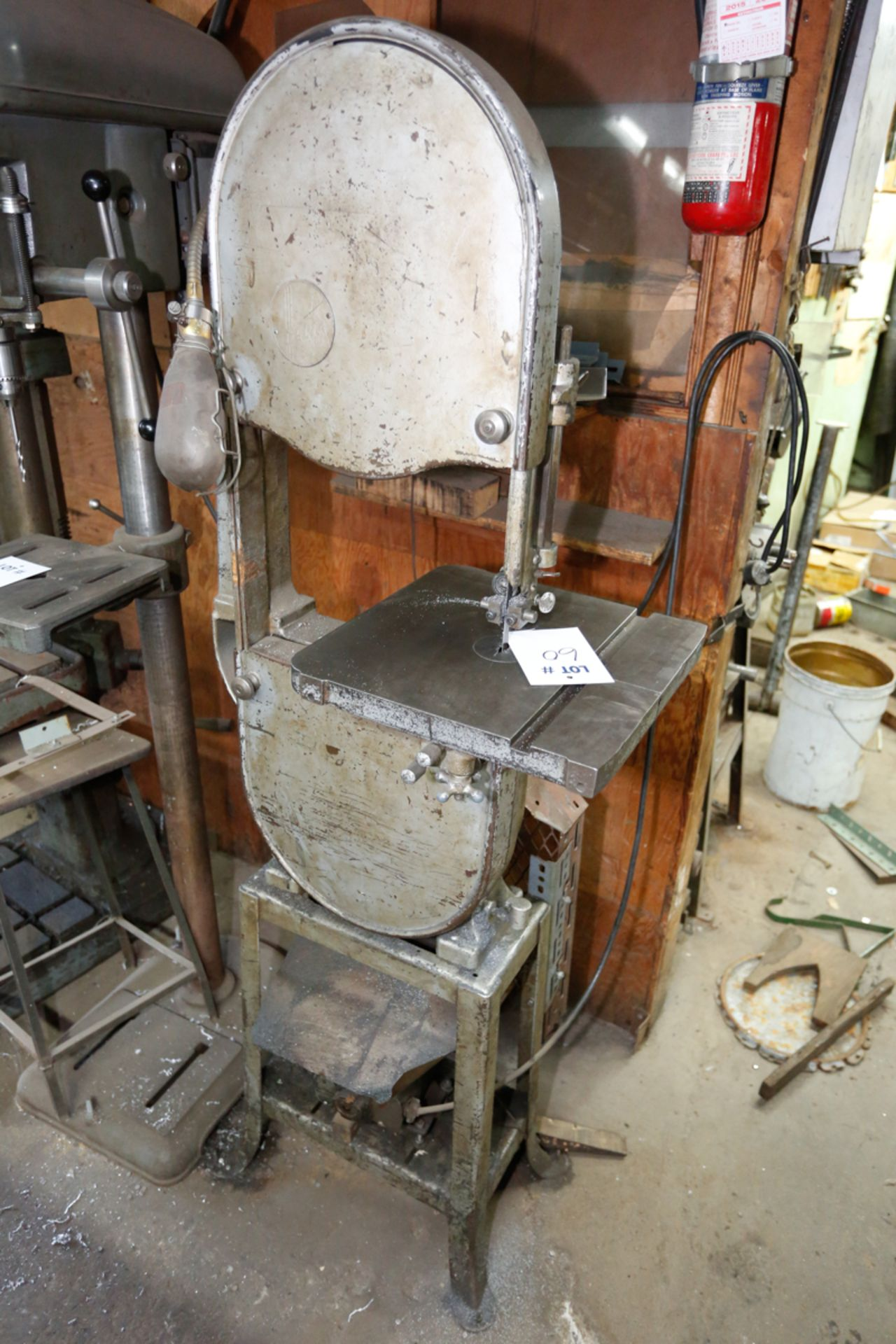 "Lot 60 - ROCKWELL 14"" VERTICAL BAND SAW"