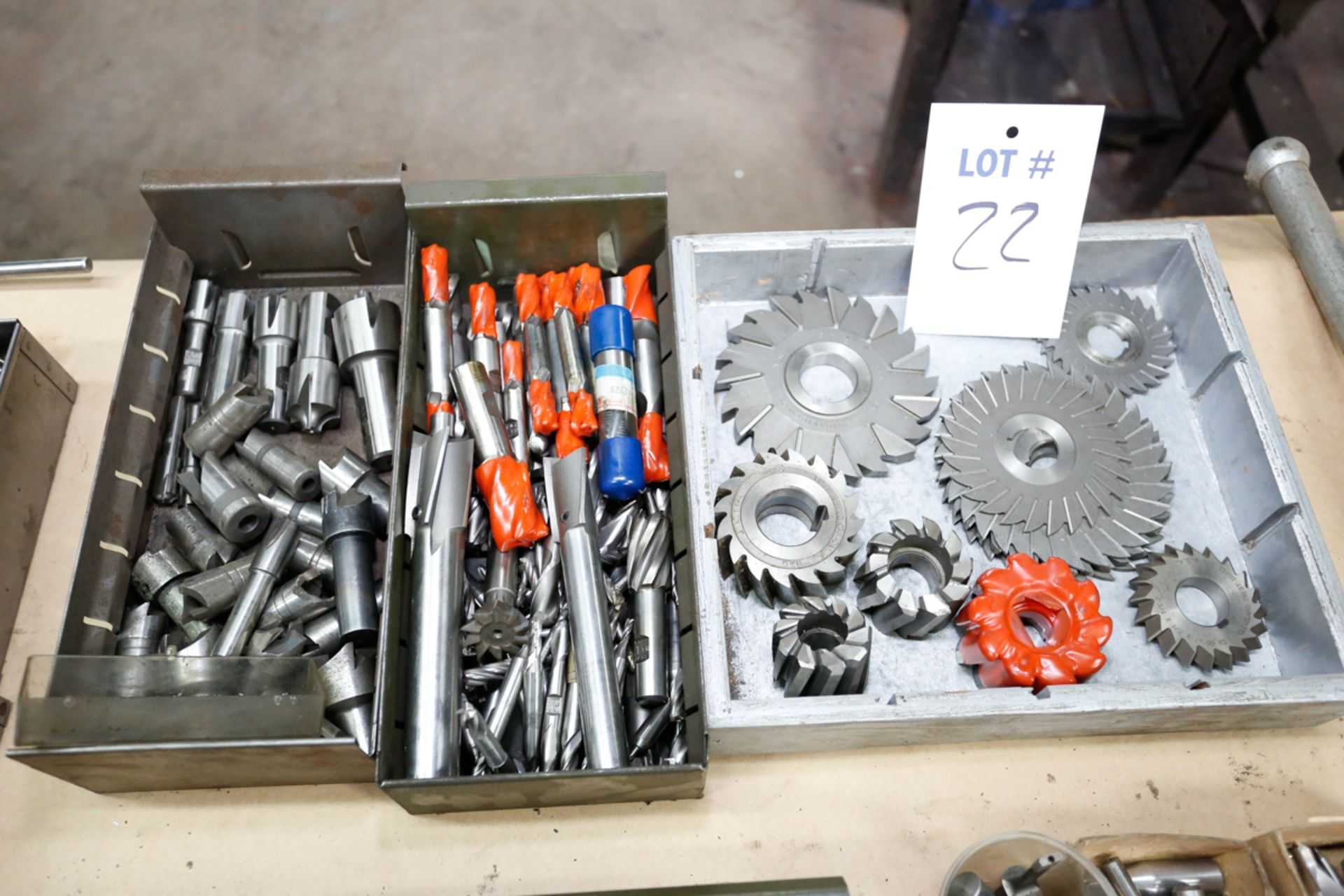 Lotto 22 - 3 BOXES OF MILLING CUTTERS