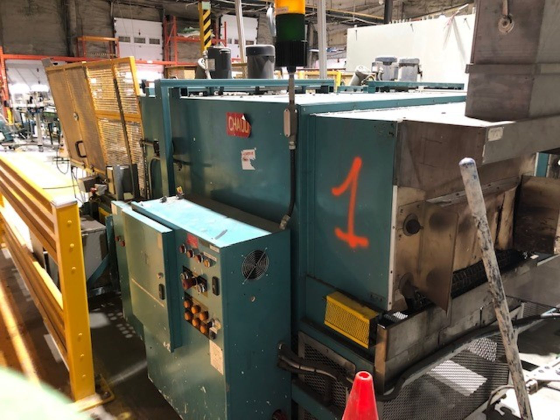 Lot 32 - Plastic shrink wrapper applicator and heating tunnel #1 Ideal Equipment, model: 1830, s/n: 1295060