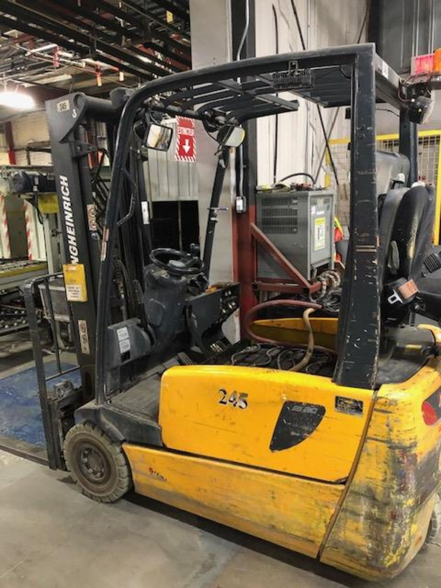 Lot 57 - 2005, electric forklift Jungheinrich, 3,730lbs, 3 stage mast, side shift, 3 wheels, Model: EFG220,