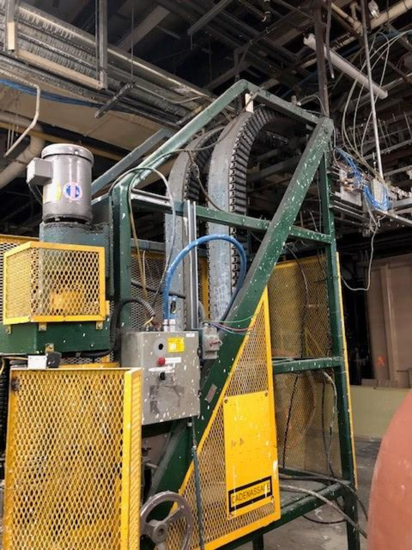 Empty gallons lowering conveyor Rago line - Image 3 of 3