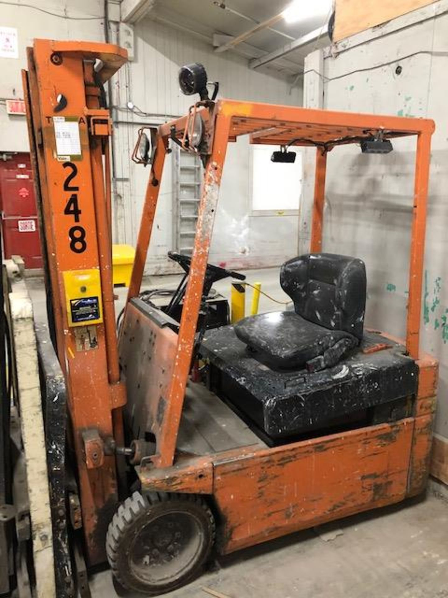Lot 60 - 2002, electric forklift Toyota, 2,900lbs, 3 stage mast, side shift, 3 wheels, Model: 2FBE15, s/n: