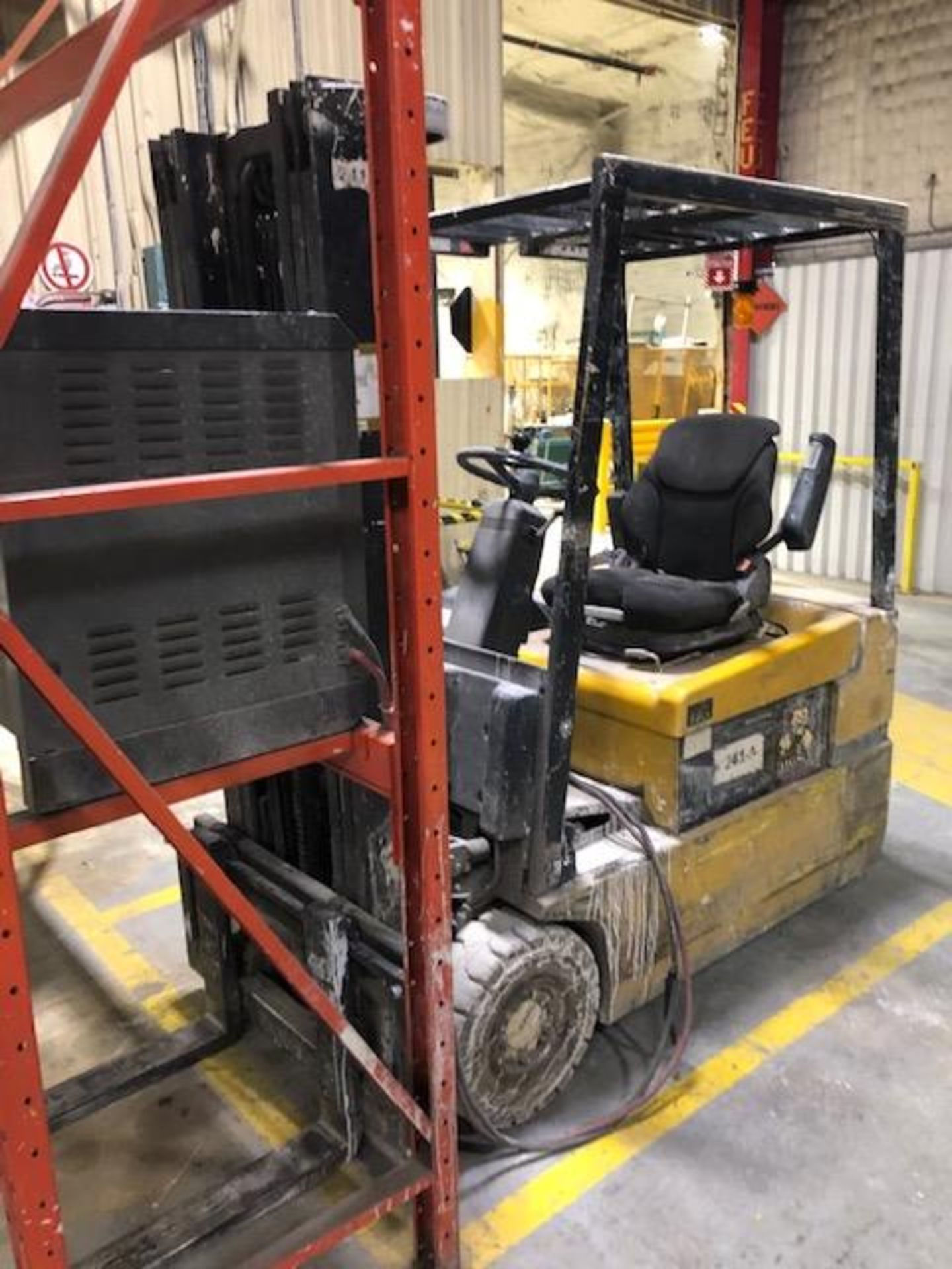 Lot 56 - 2001, electric forklift Yale, 3,350lbs, 3 stage mast, side shift, 3 wheels, Model:
