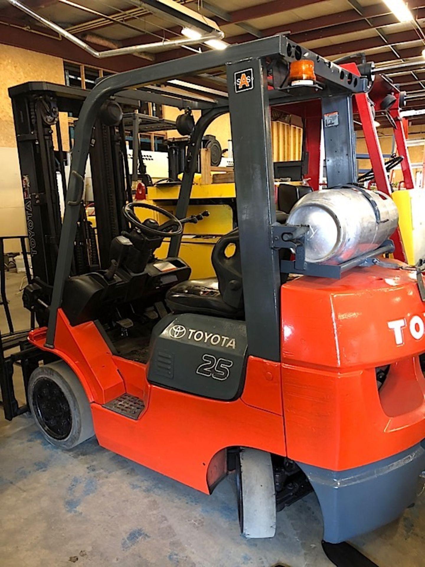 Lot 52 - Toyota (7FGCU30) 5,000 lbs. cap LPG Forklift