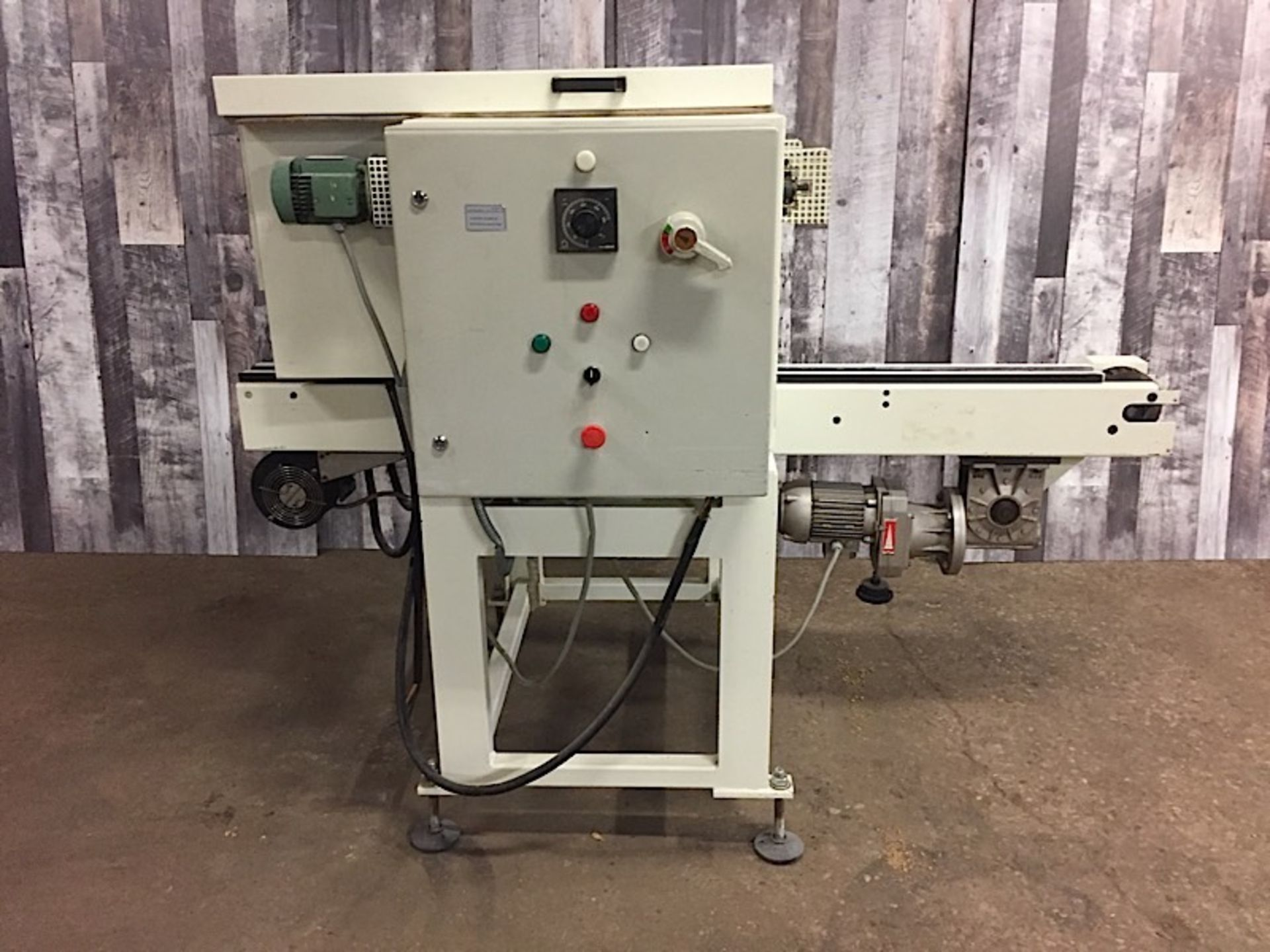 Lot 32 - CONVEYORED METAL DETECTOR