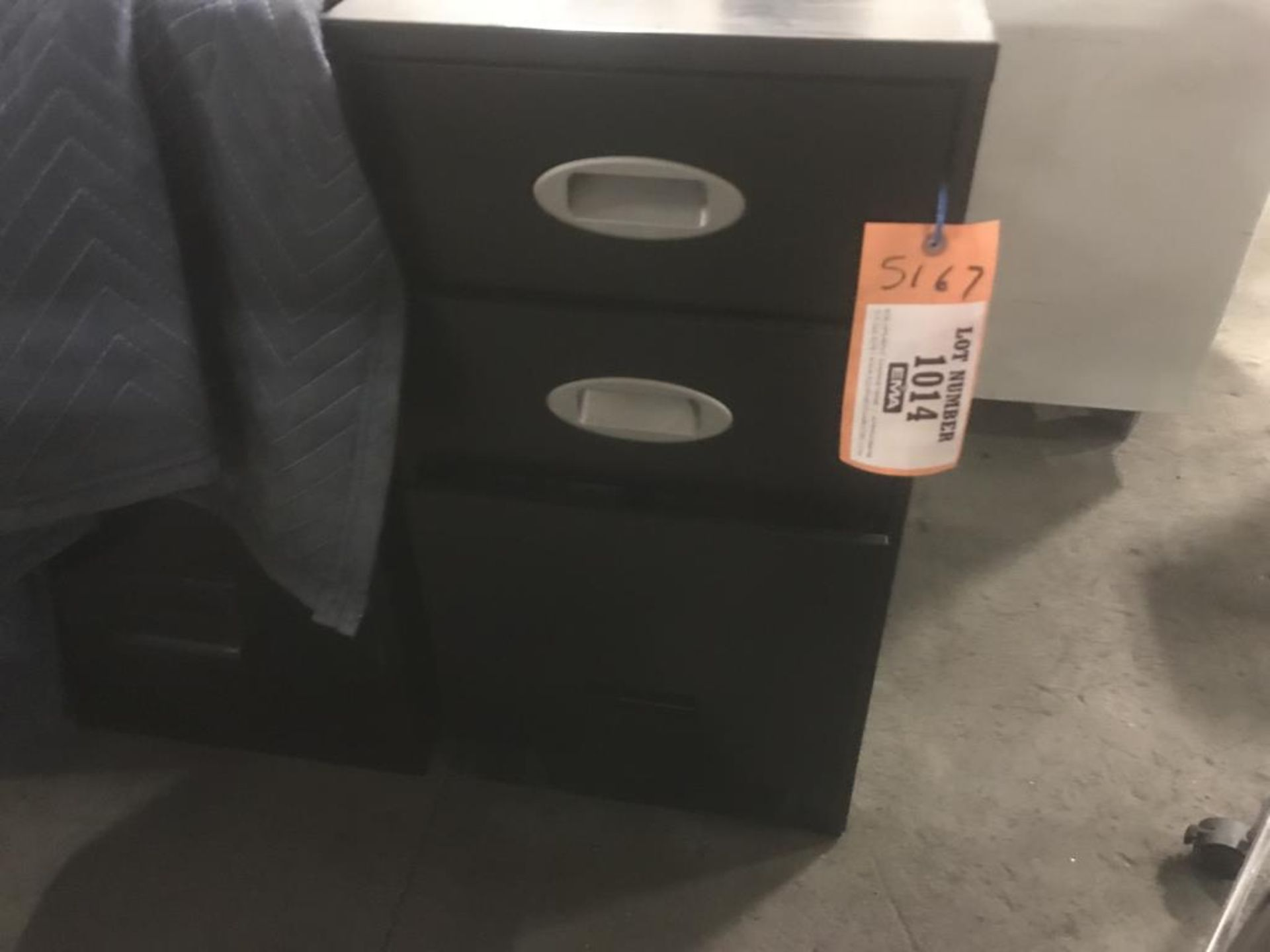 Lot 1014 - Storage cabinet