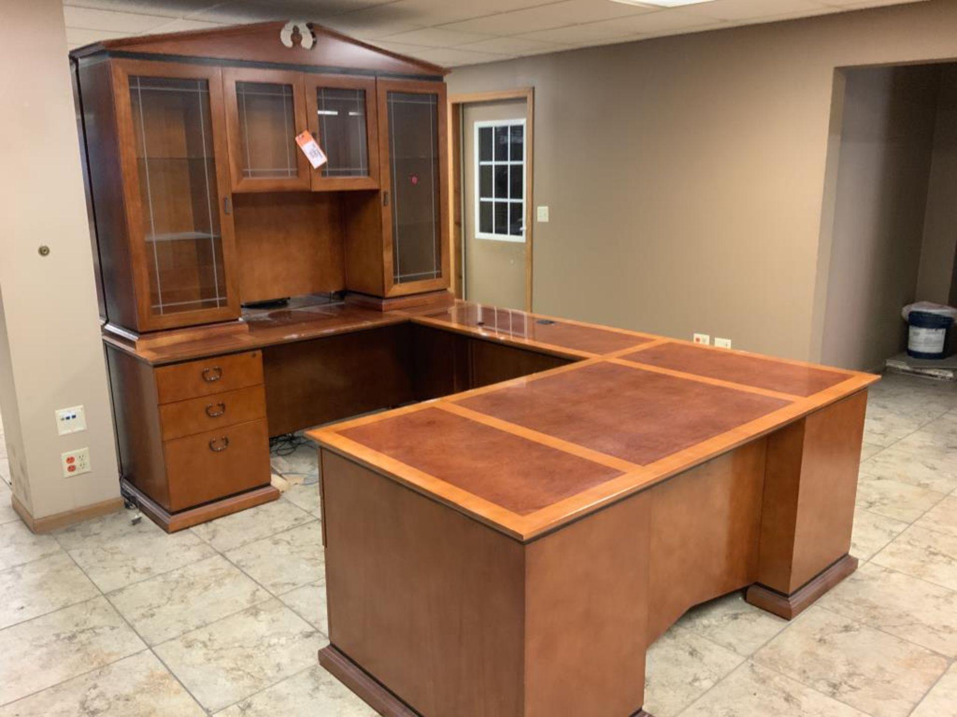 Lot 1045 - Executive office desk