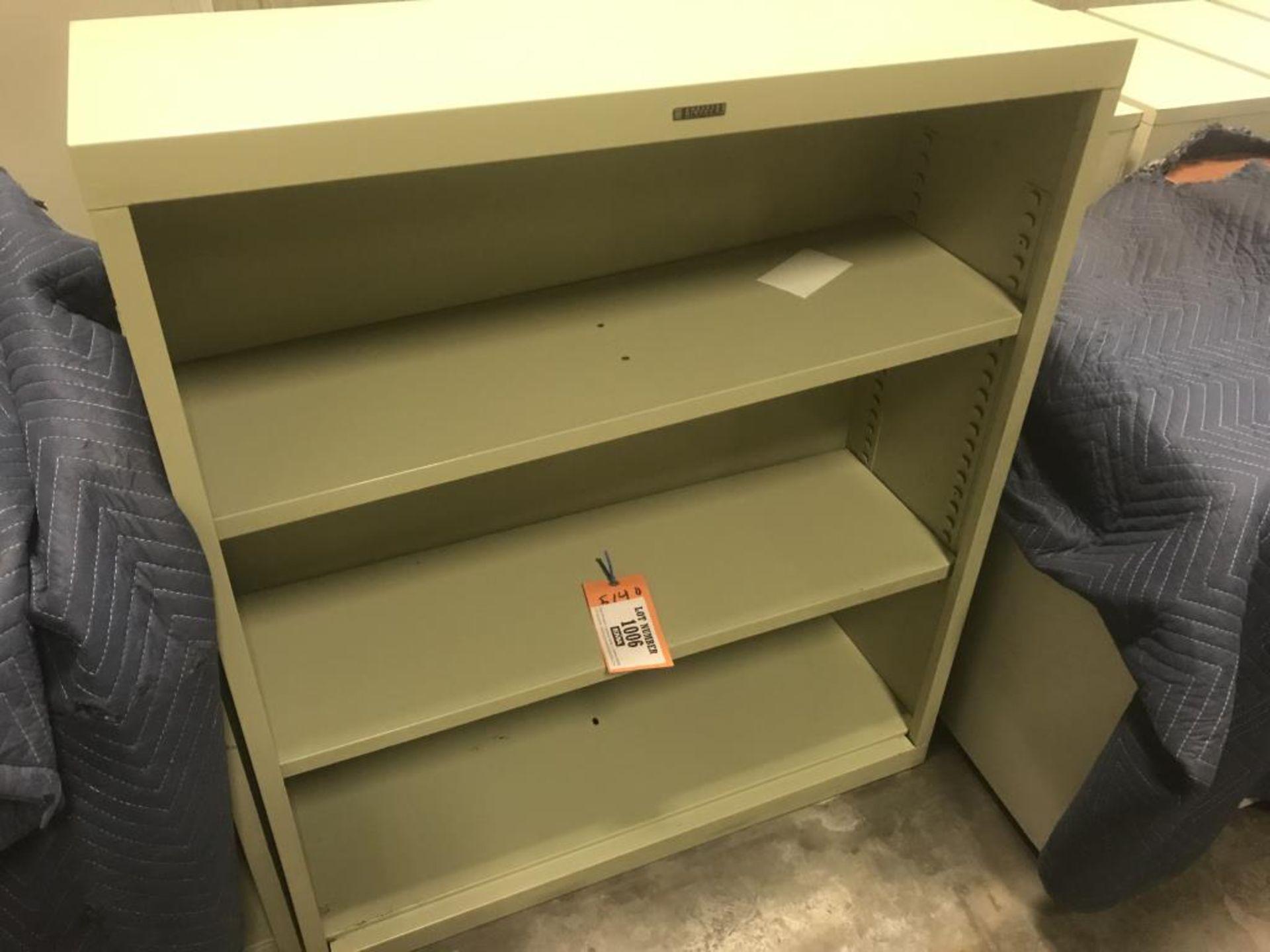Lot 1006 - Bookshelf