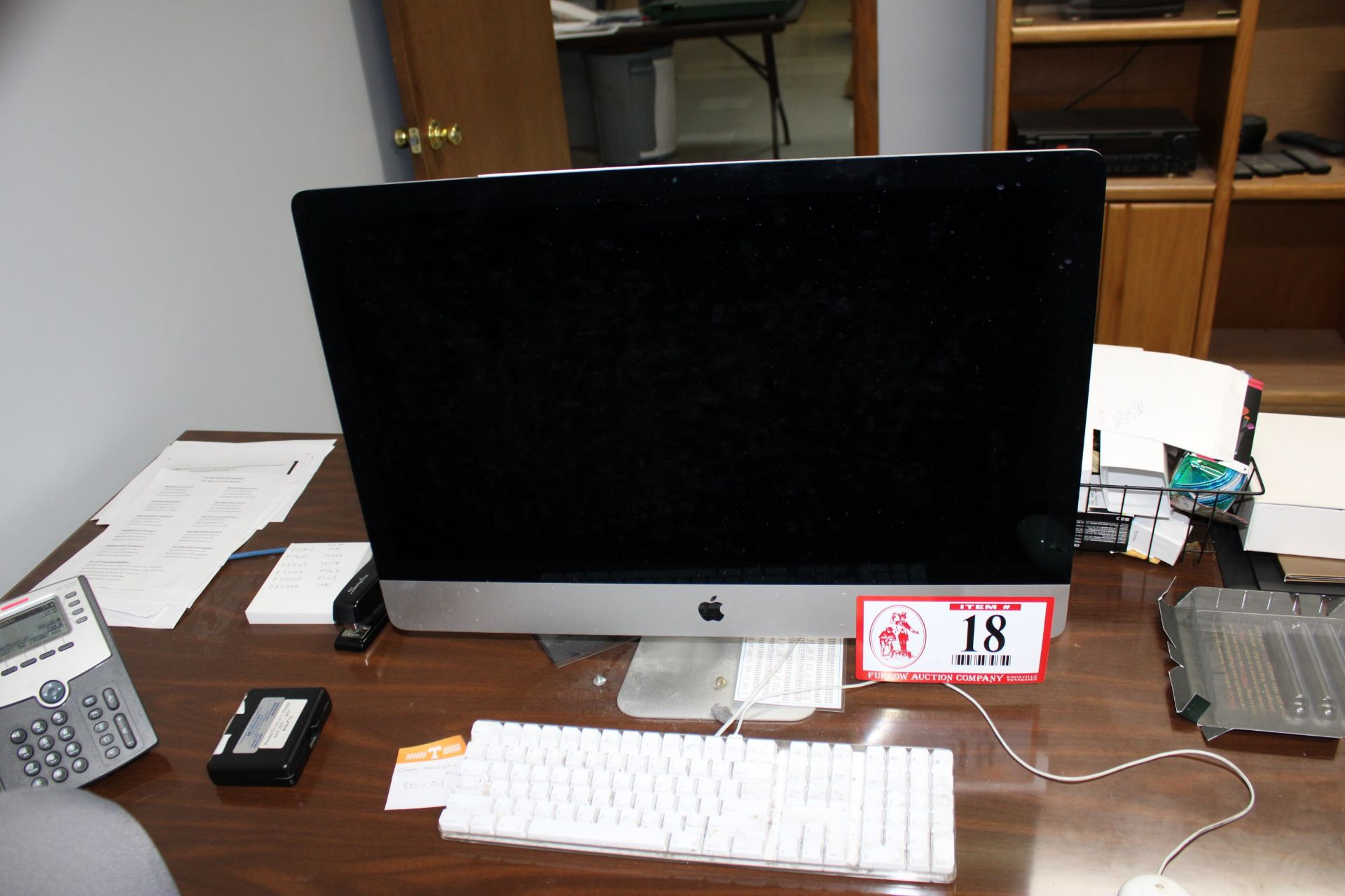 "Lot 18 - iMac 27"" LD Back Lite Display w/ Keyboard w/ Wired Mouse"