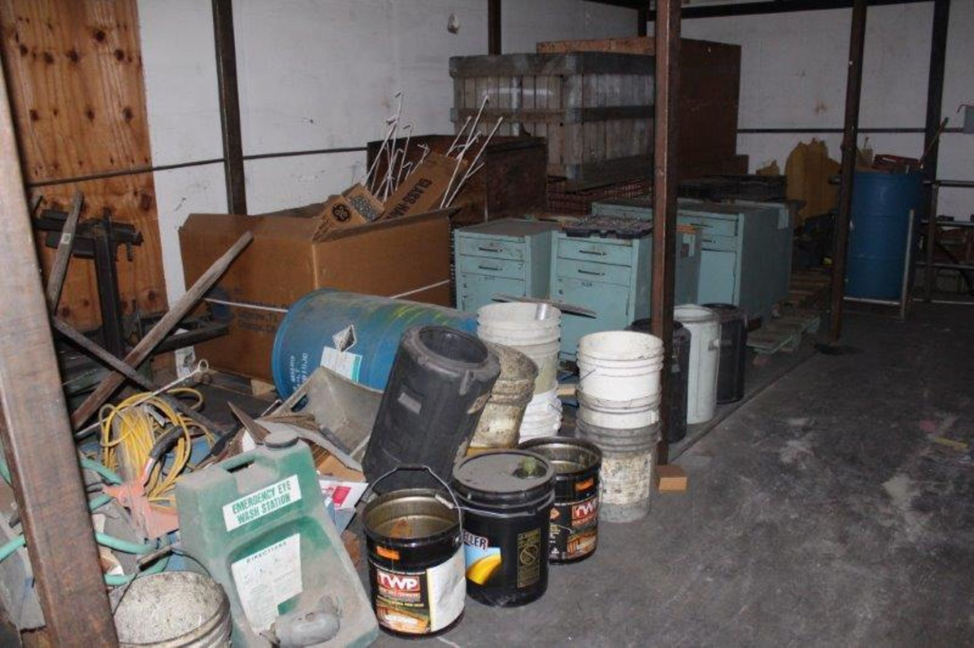 Lot 97 - Lot of Assorted Accessories in 2) Compartments
