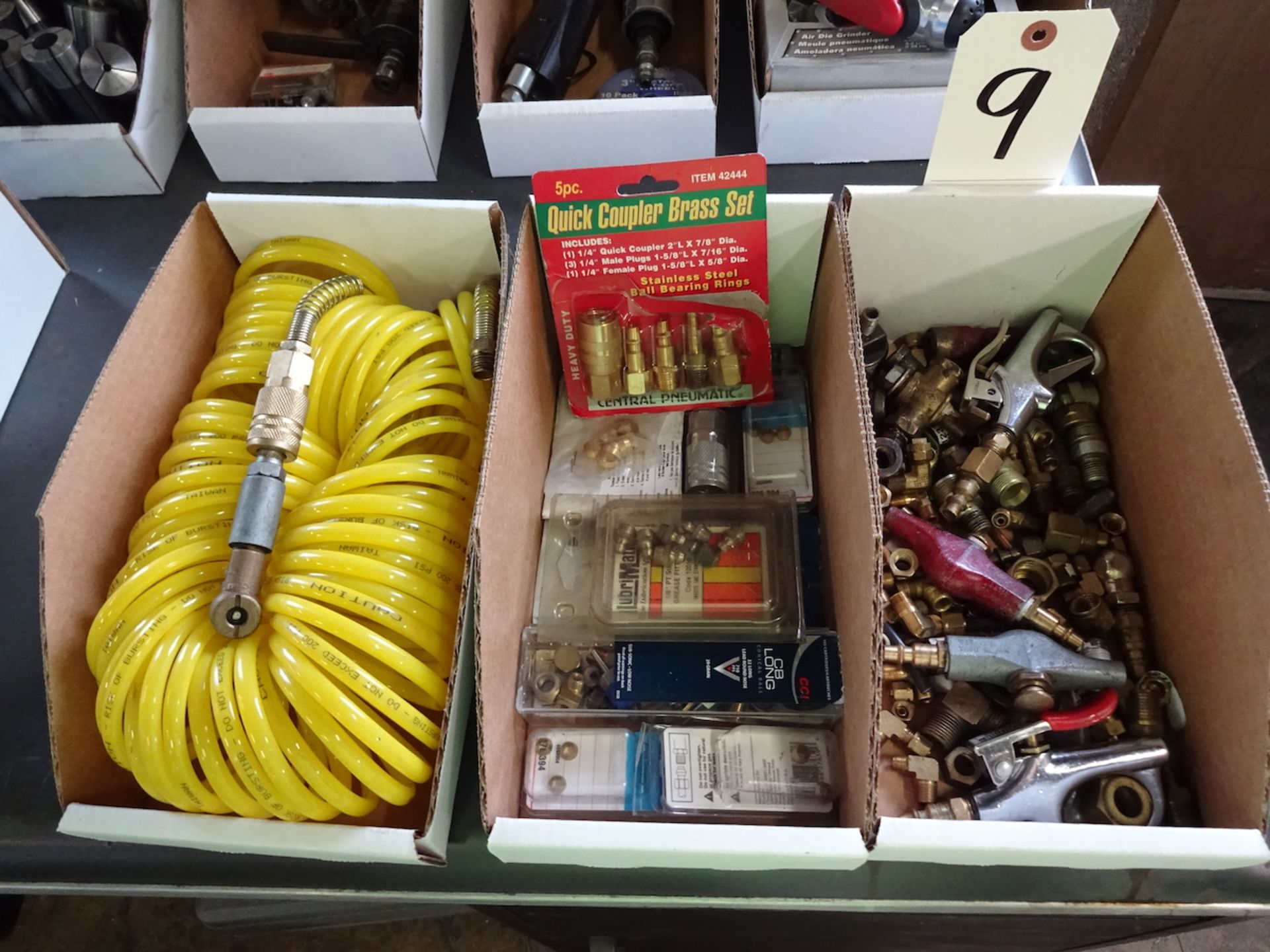 Lot 9 - LOT: ASSORTED AIR ACCESSORIES & HOSE