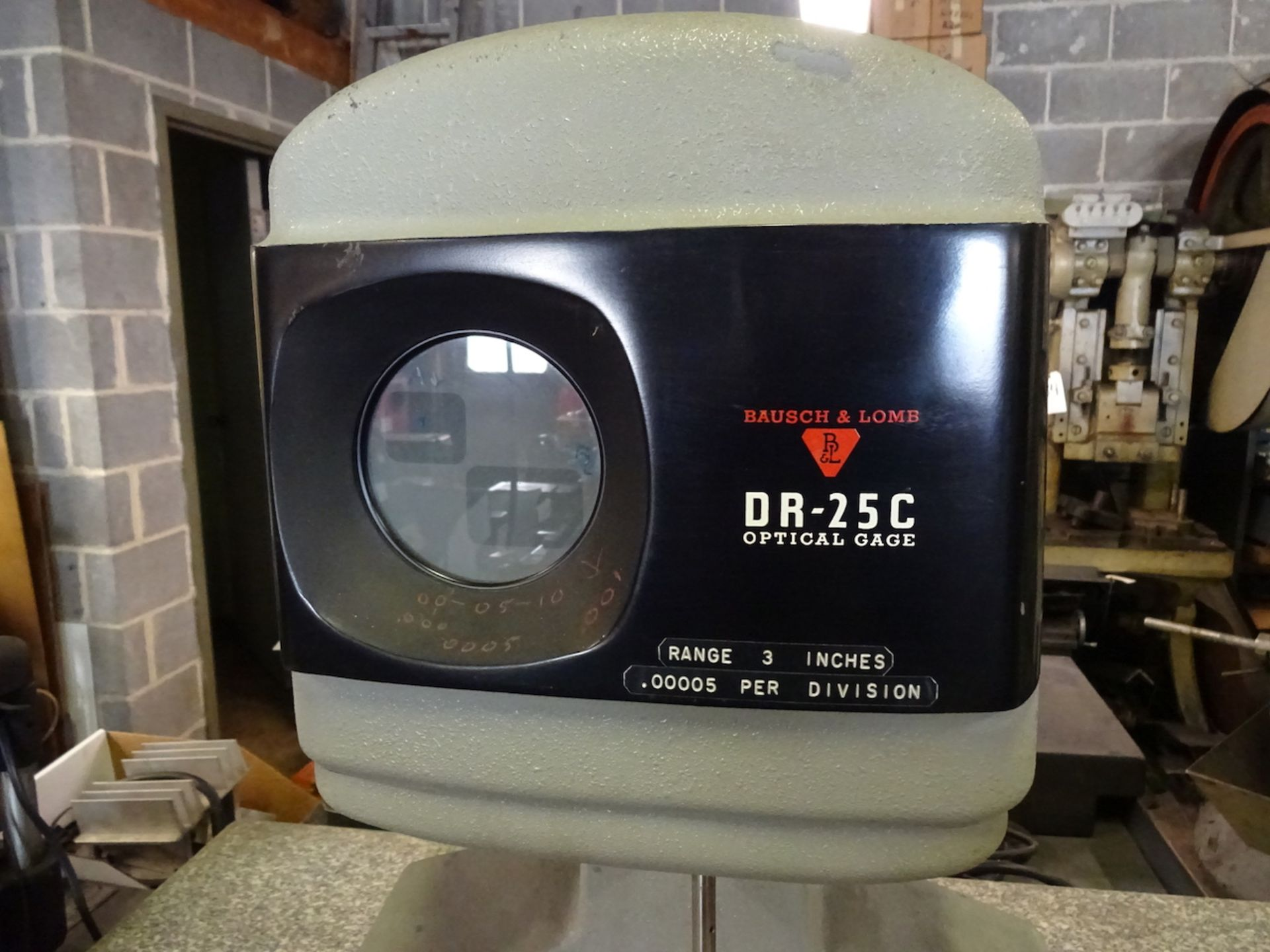 Lot 54 - BAUSCH & LOMB MODEL DR-25C OPTICAL GAUGE: 3 IN RANGE, .00005 PER DIVISION