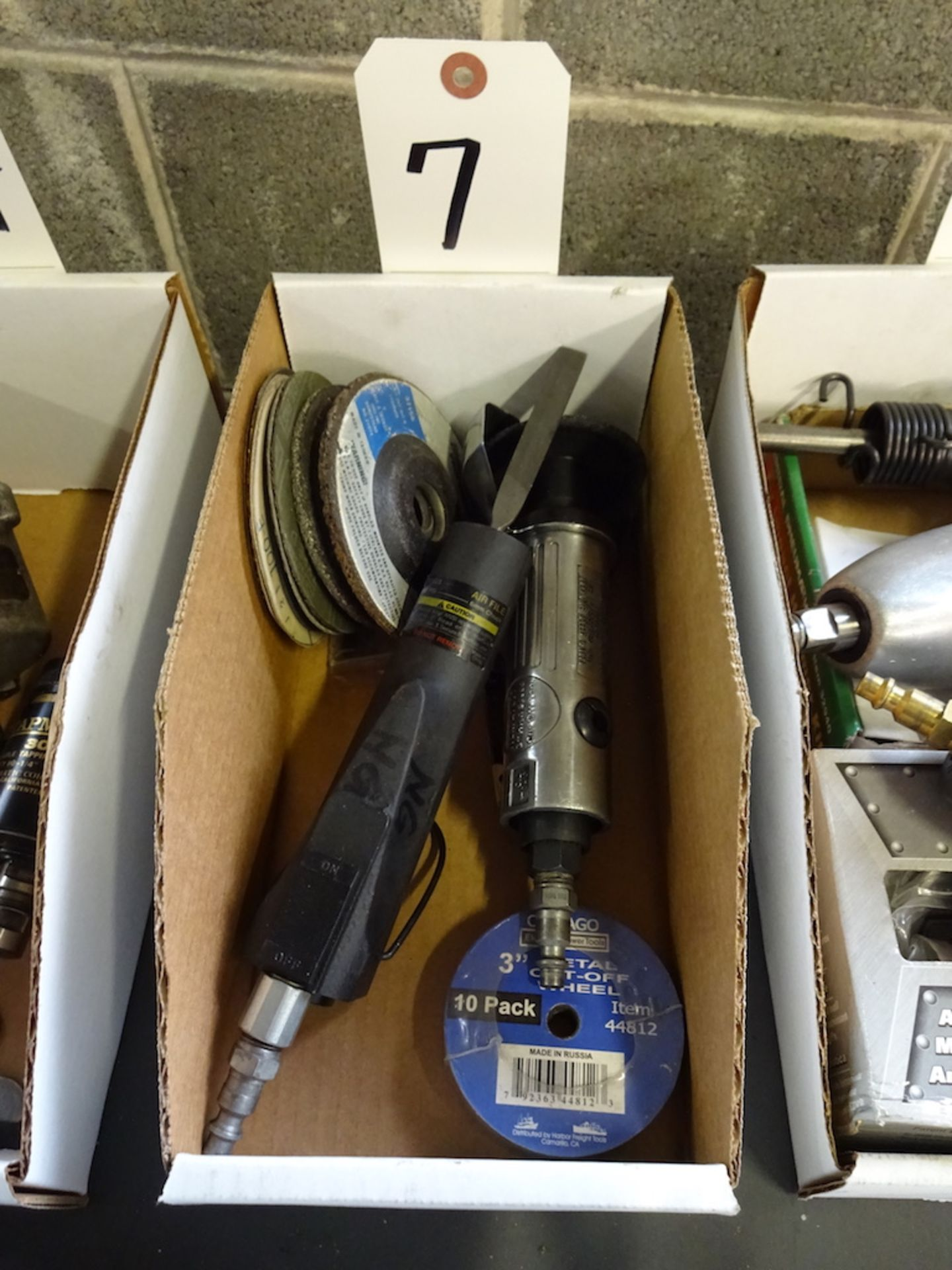 Lot 7 - LOT: PNEUMATIC FILE & CENTRAL PNEUMATIC CUT-OFF TOOL