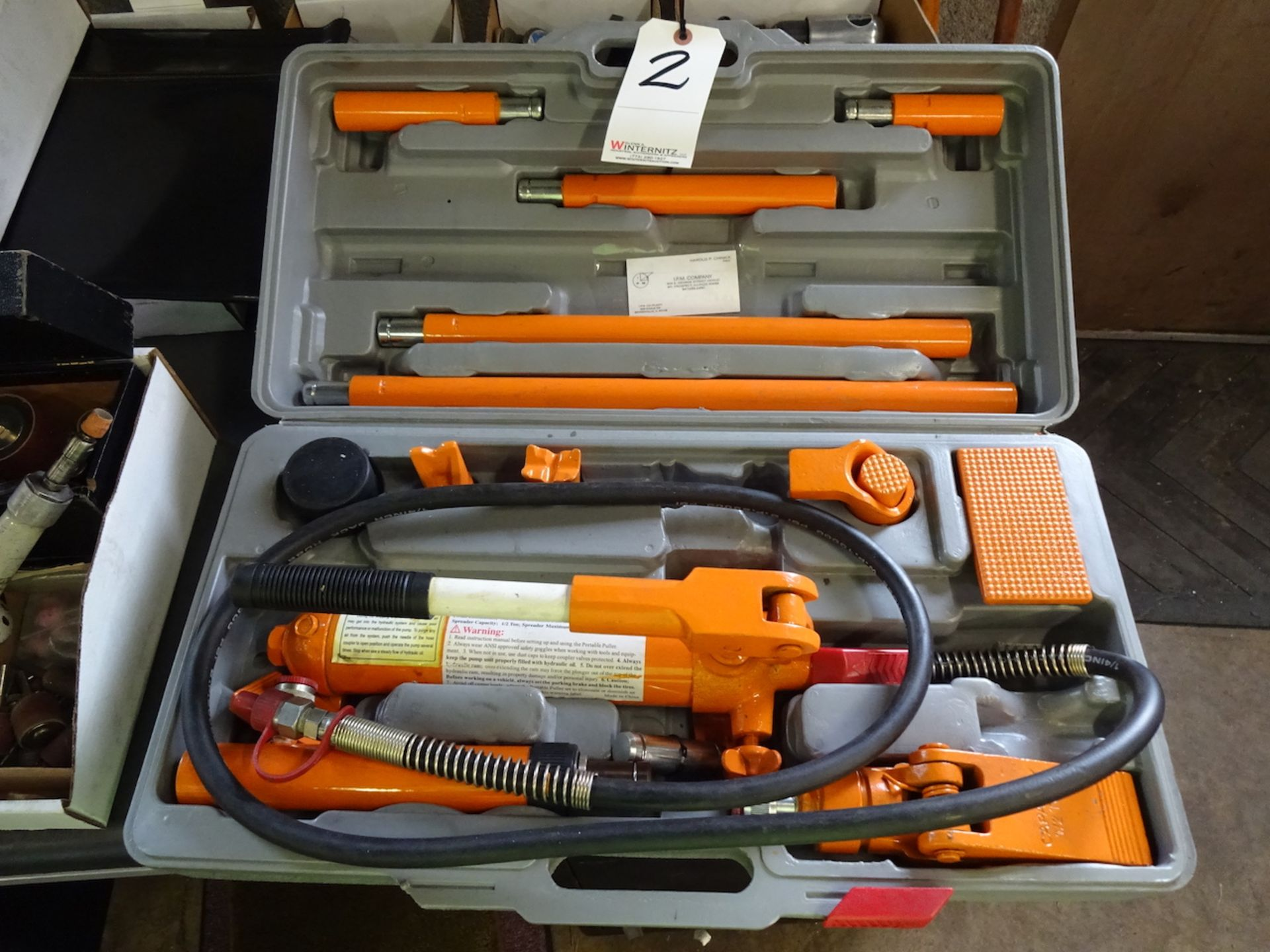 Lot 2 - CENTRAL HYDRAULICS 4-TON MODEL 4489 PORTABLE PULLER