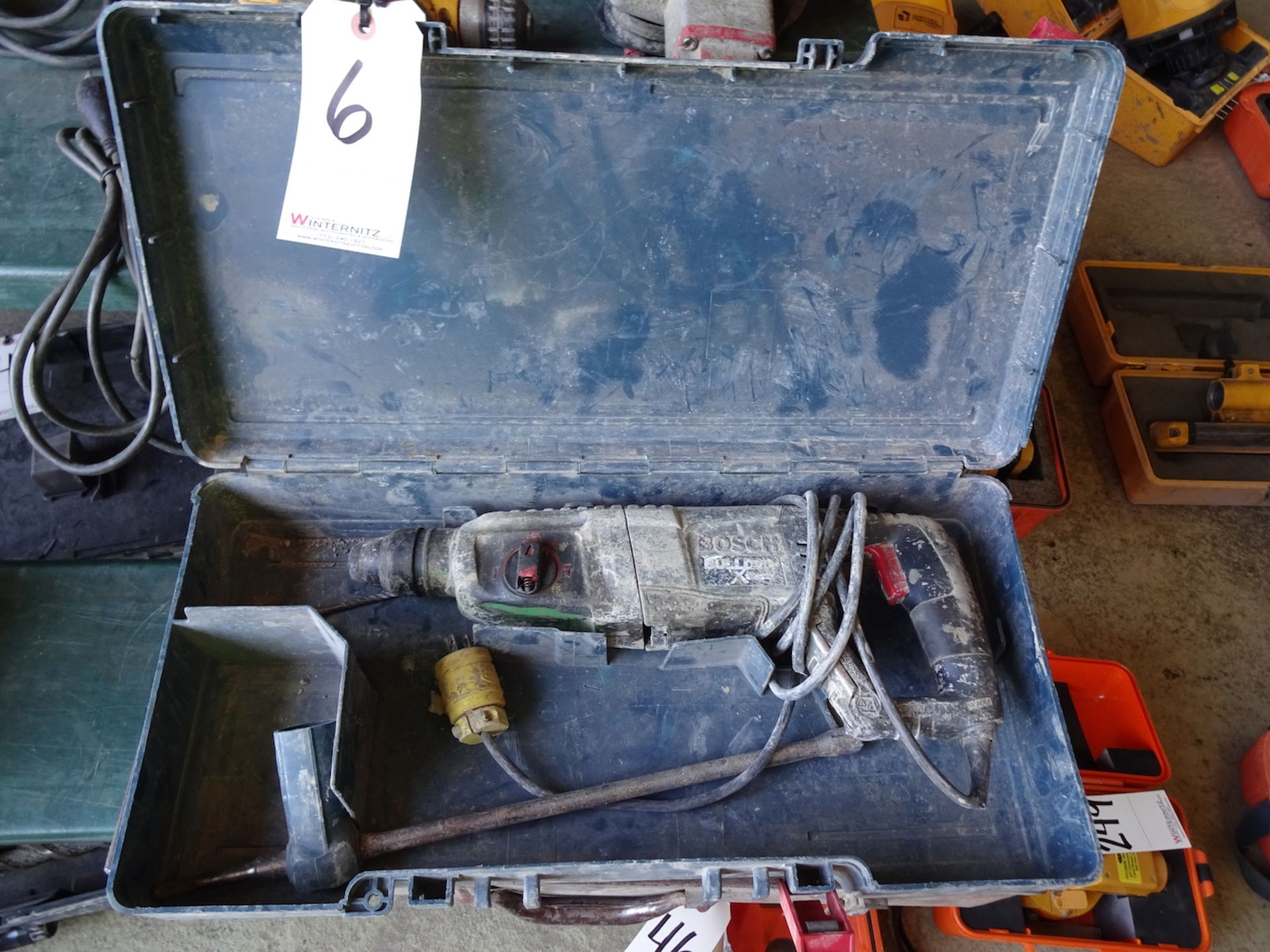 Lot 6 - BOSCH BULLDOG XTREME ROTARY HAMMER WITH CASE