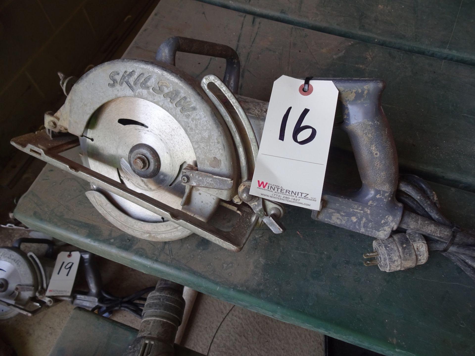 "Lot 16 - SKILSAW 7 1/4"" ELECTRIC CIRCULAR SAW"