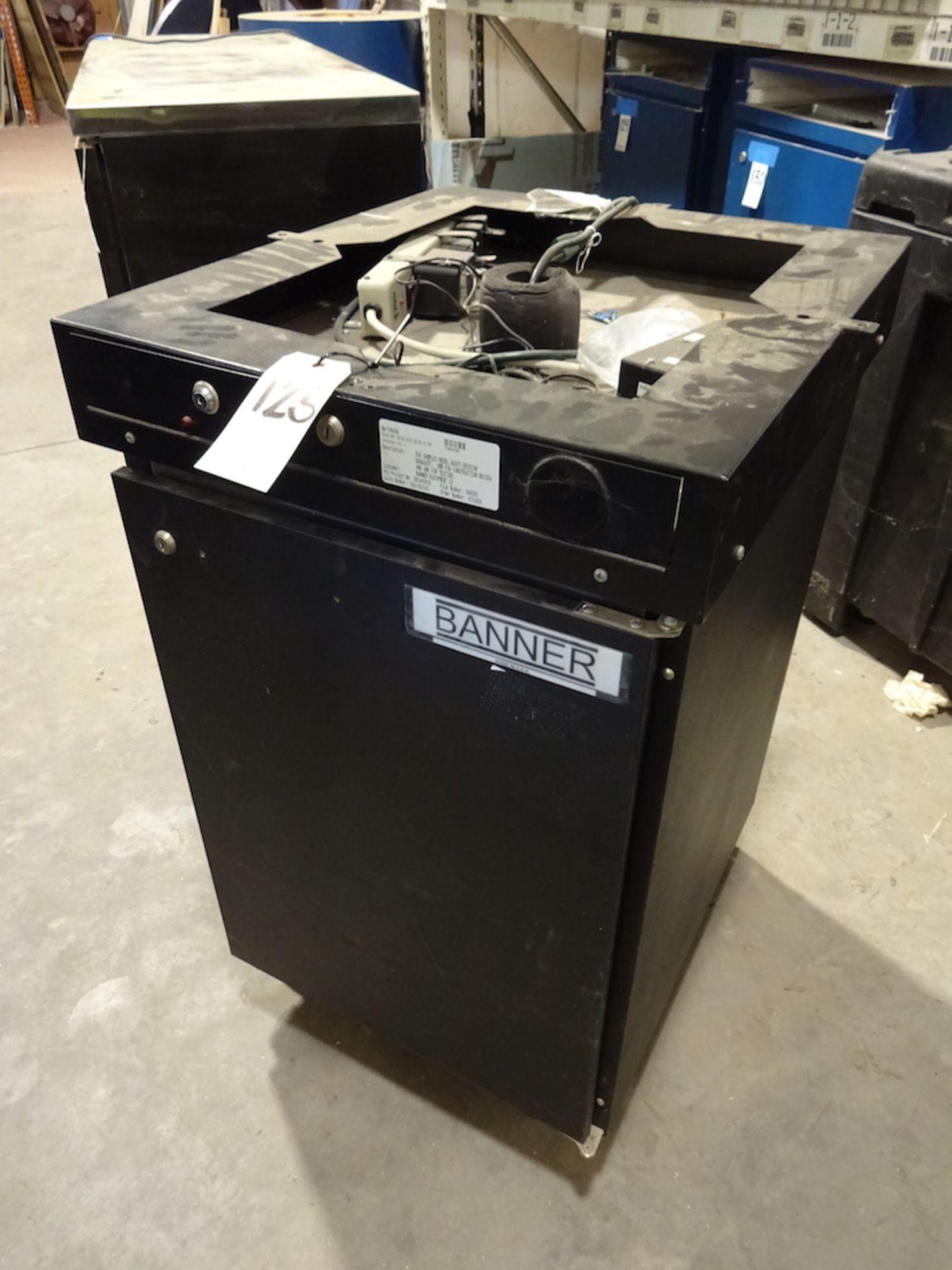 Lot 125 - Beverage Air 1/2 Barrel Beer Cooler, with Top (Kegerator)