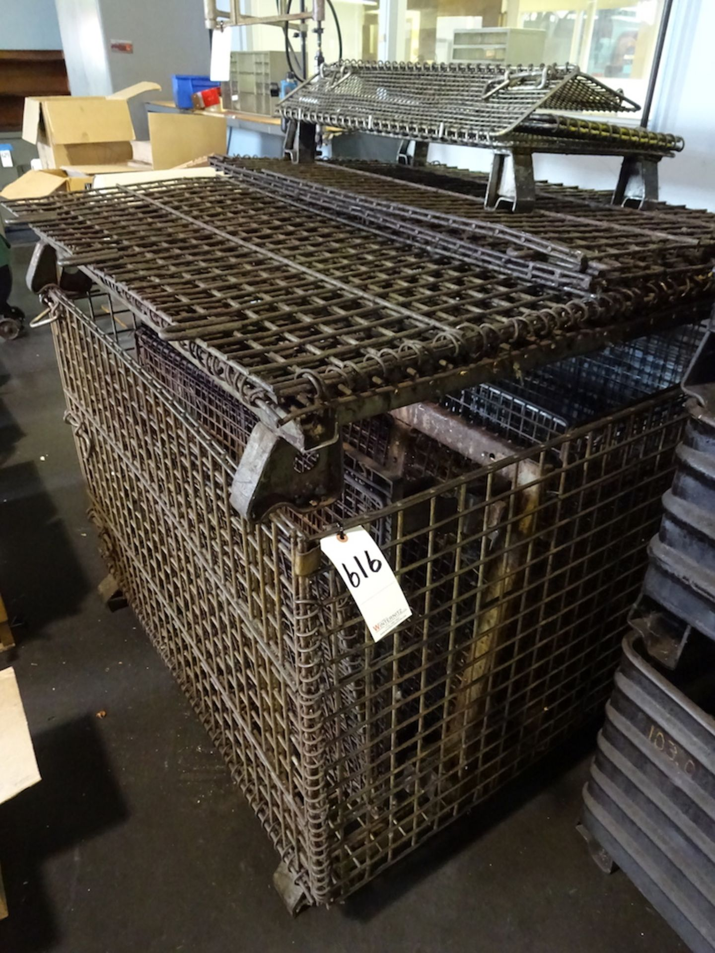 Lot 616 - LOT: Collapsible Wire Baskets