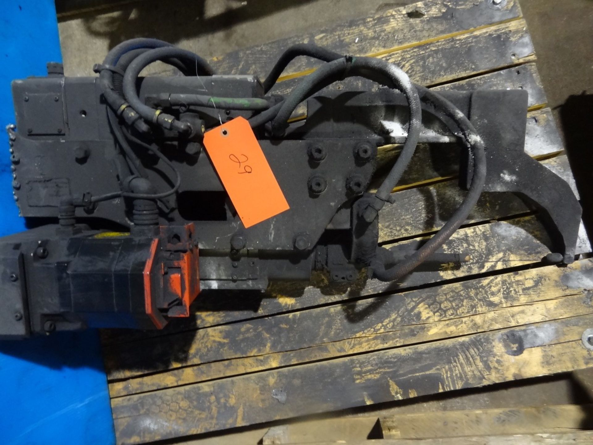 Lot 29 - SERVO SPOT WELDING GUN, LOCATION MI