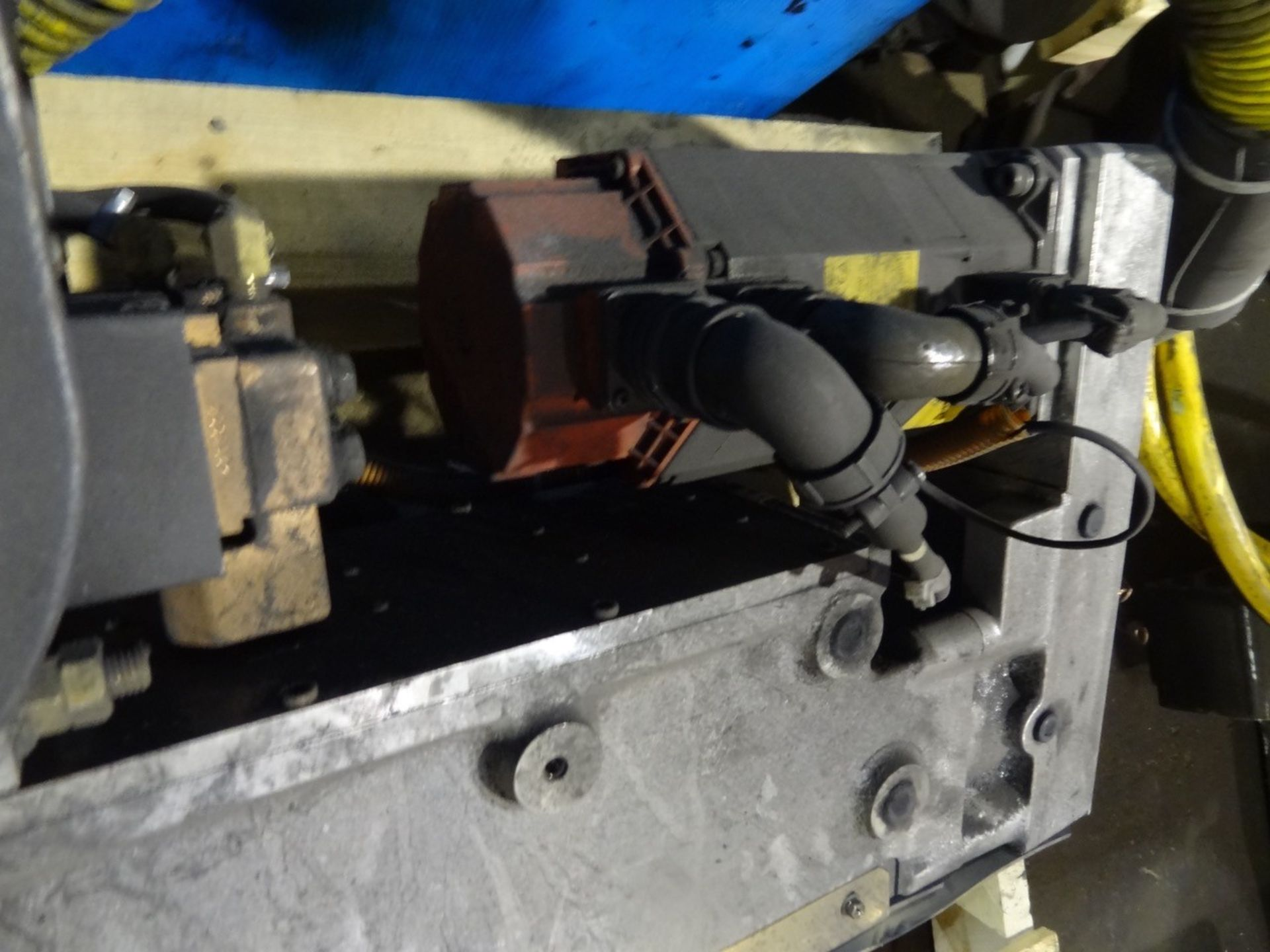 Lot 31 - DENYO KOGYO SERVO SPOT WELDING GUN, LOCATION MI