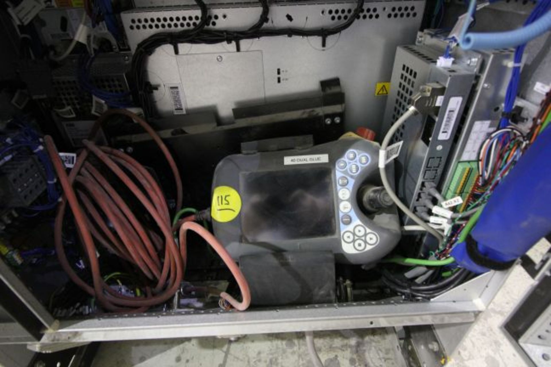 ABB ROBOT IRB 4600 2.55/40KG WITH IRC5 CONTROLS, YEAR 2014, SN 500798 TEACH PENDANT& CABLES - Image 7 of 9