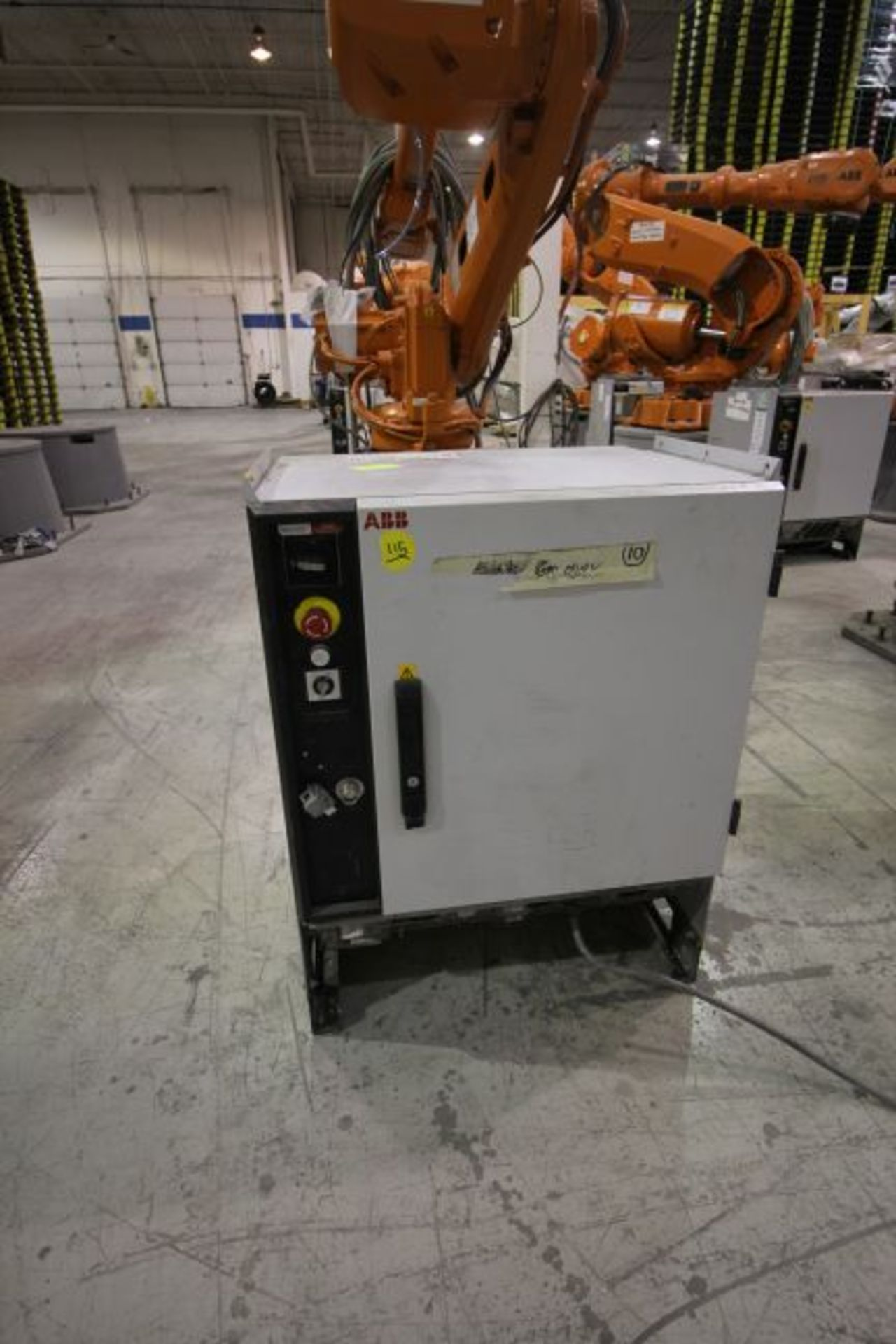 ABB ROBOT IRB 4600 2.55/40KG WITH IRC5 CONTROLS, YEAR 2014, SN 500798 TEACH PENDANT& CABLES - Image 5 of 9