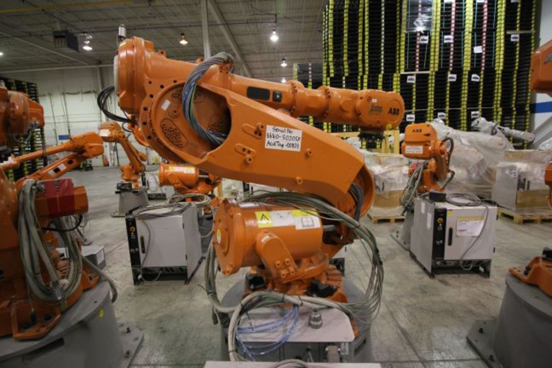 ABB ROBOT IRB 6640 2.8/185 WITH IRC5 CONTROLS, YEAR 2014, SN 503058 TEACH PENDANT & CABLES - Image 2 of 9