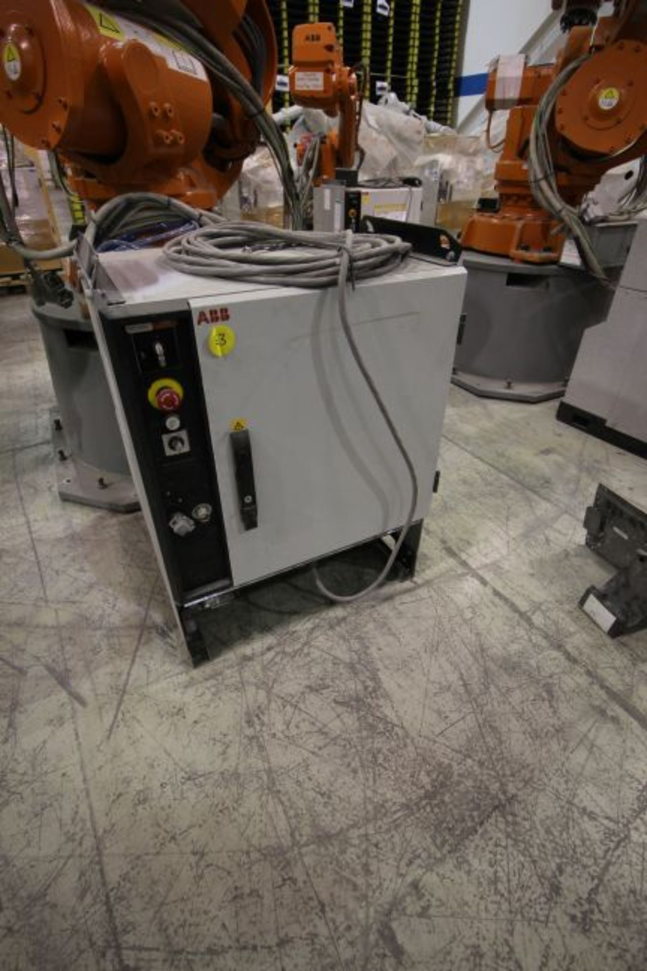 ABB ROBOT IRB 6640 2.8/185 WITH IRC5 CONTROLS, YEAR 2014, SN 503058 TEACH PENDANT & CABLES - Image 5 of 9