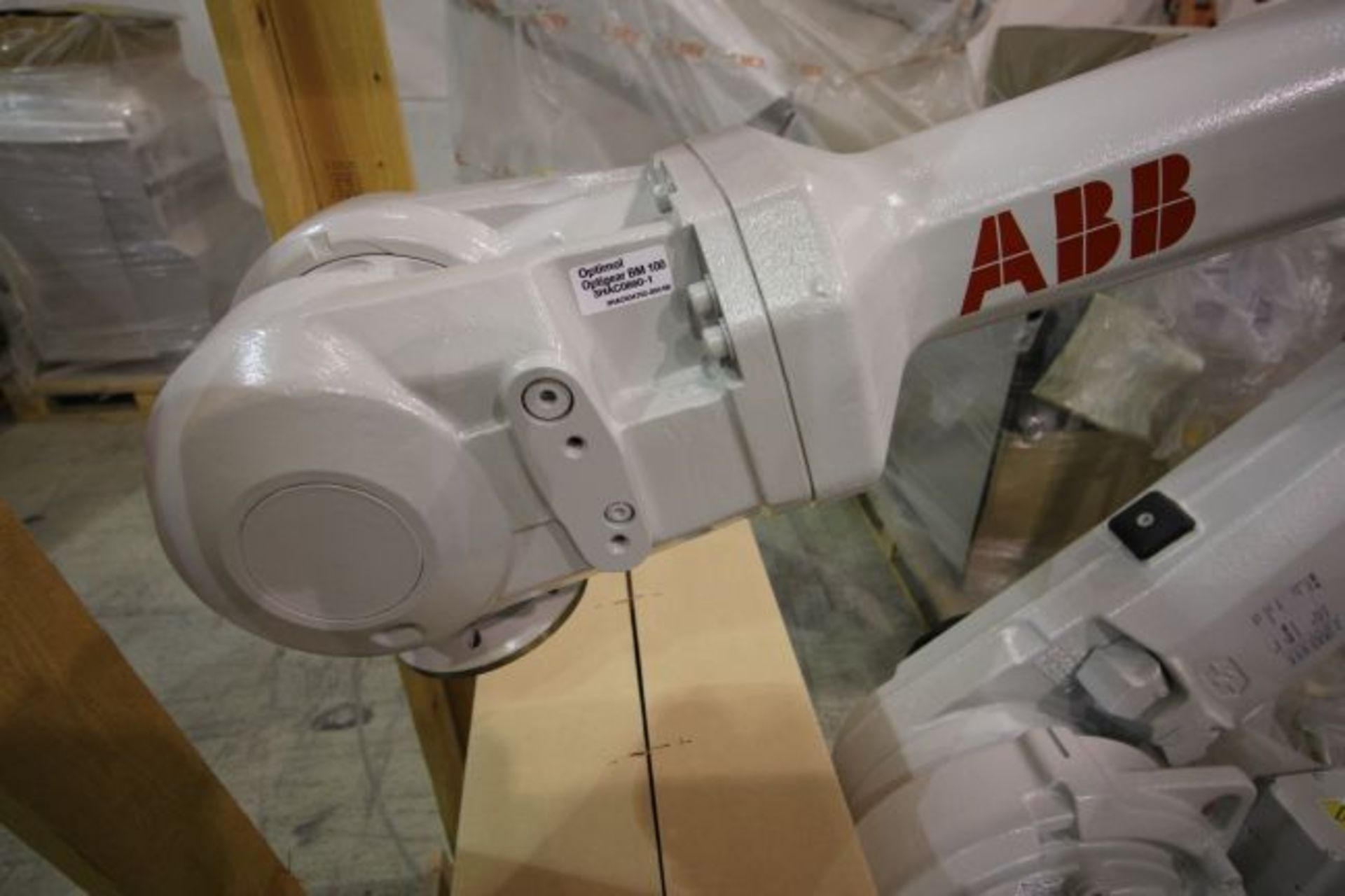 (NEW) ABB ROBOT IRB 4600 2.55/40KG WITH IRC5 CONTROLS, YEAR 2014, SN 101900 TEACH PENDANT& CABLES - Image 3 of 9