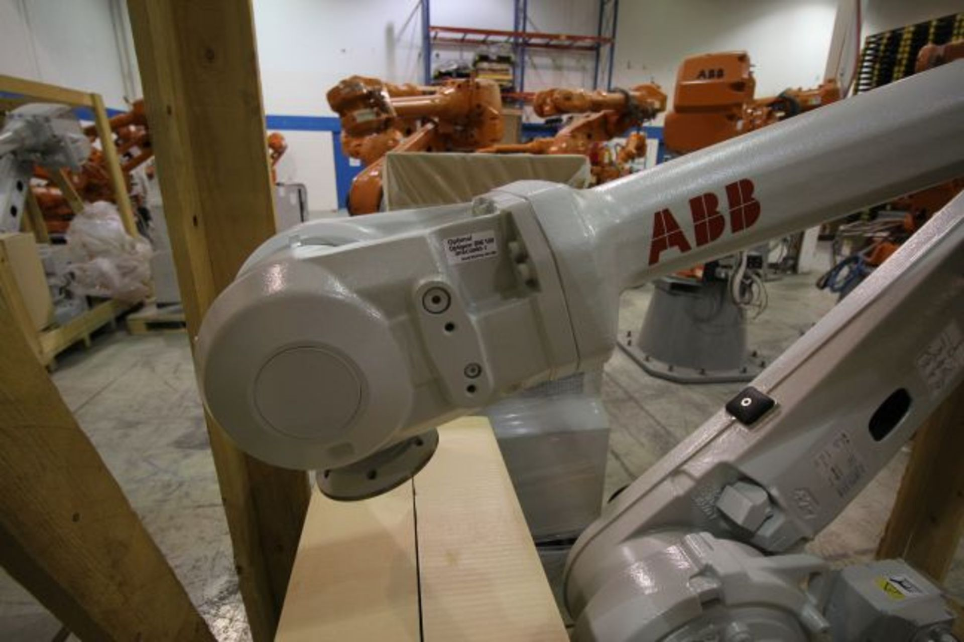 (NEW) ABB ROBOT IRB 4600 2.55/40KG WITH IRC5 CONTROLS, YEAR 2014, SN 101897 TEACH PENDANT& CABLES - Image 2 of 11