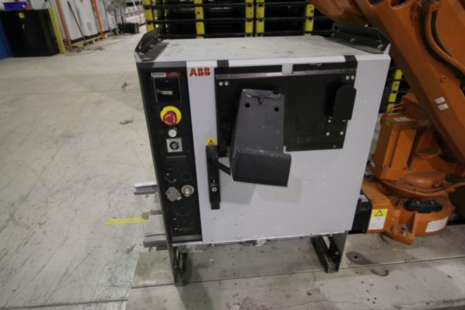 Lot 2 - ABB ROBOT IRB 4600 2.05/45KG WITH IRC5 CONTROLS, YEAR 2014, SN 500289 CABLES NO TEACH PENDANT