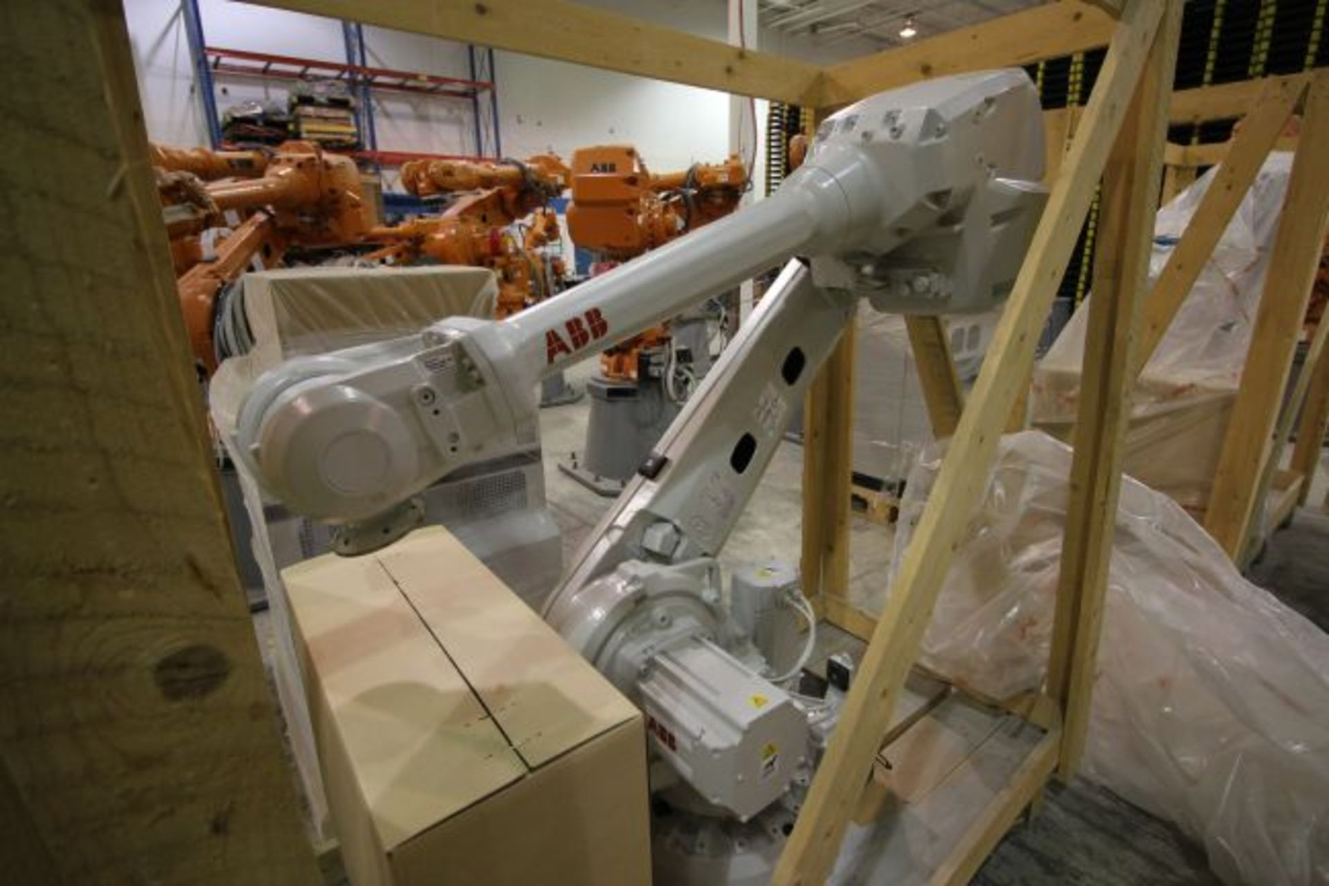 (NEW) ABB ROBOT IRB 4600 2.55/40KG WITH IRC5 CONTROLS, YEAR 2014, SN 101897 TEACH PENDANT& CABLES - Image 3 of 11