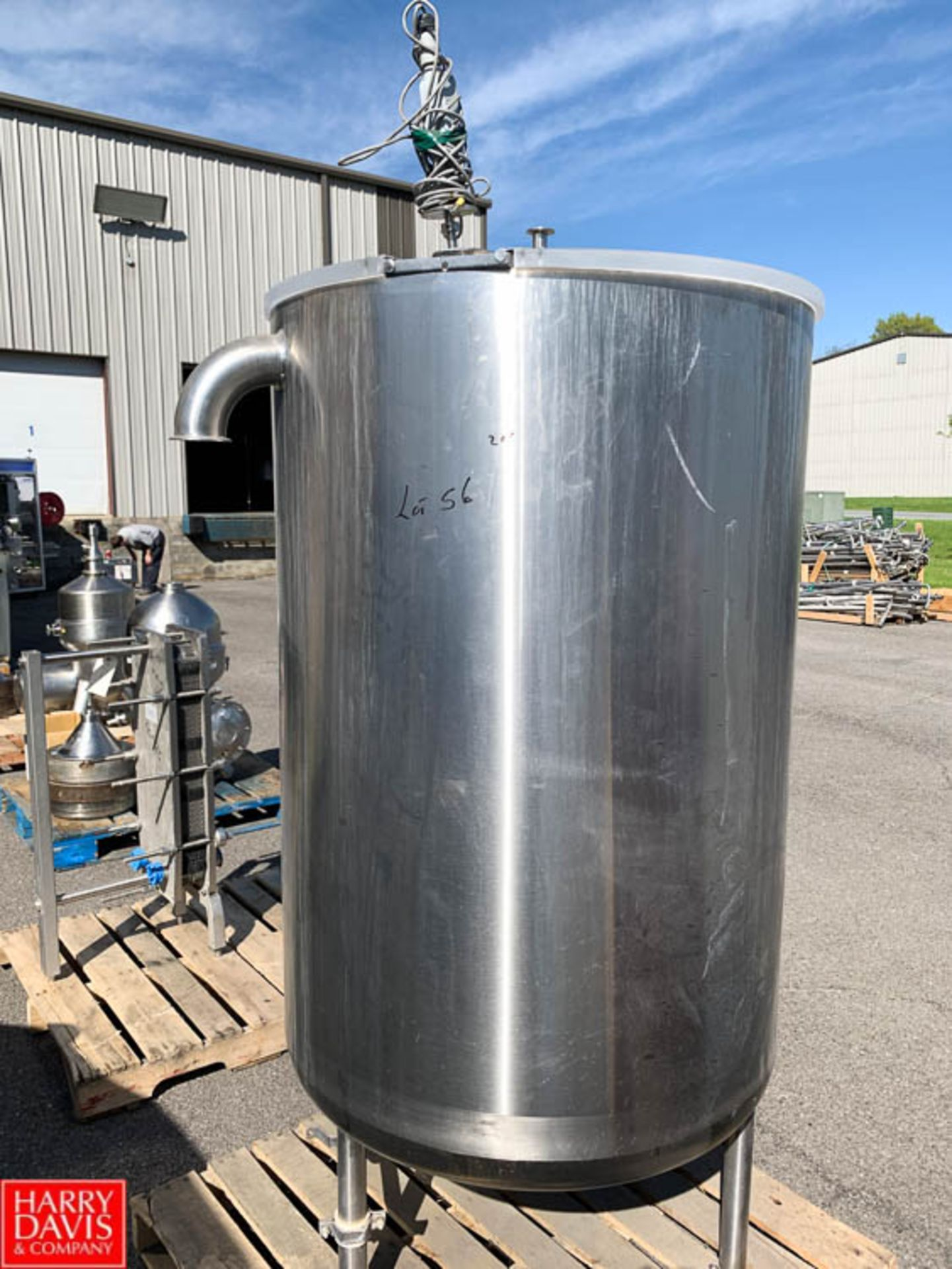 Lot 56 - 200 Gallon S/S Hinged-Lid Vertical Tank - Rigging Fee: $25