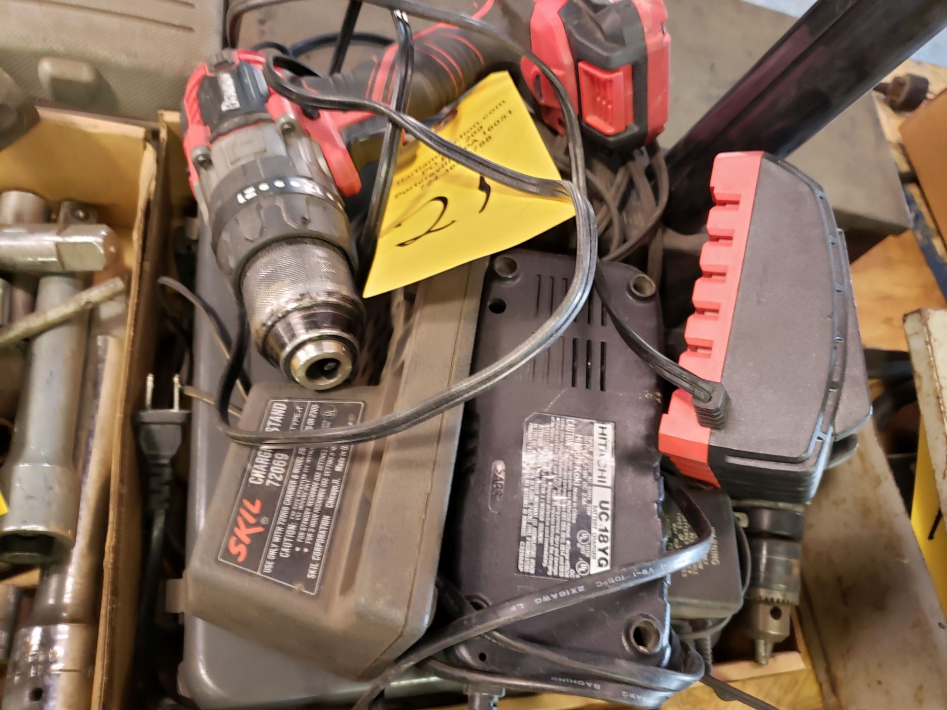 Lot 21 - CORDLESS DRILLS, BATTERIES, CHARGERS