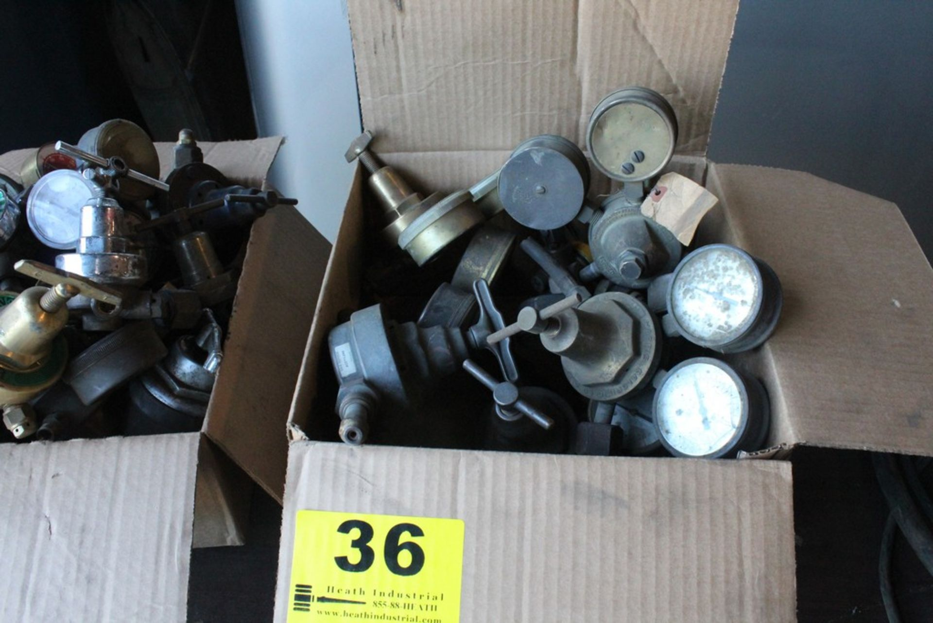 Lot 36 - ASSORTED WELDING GAGES IN BOX