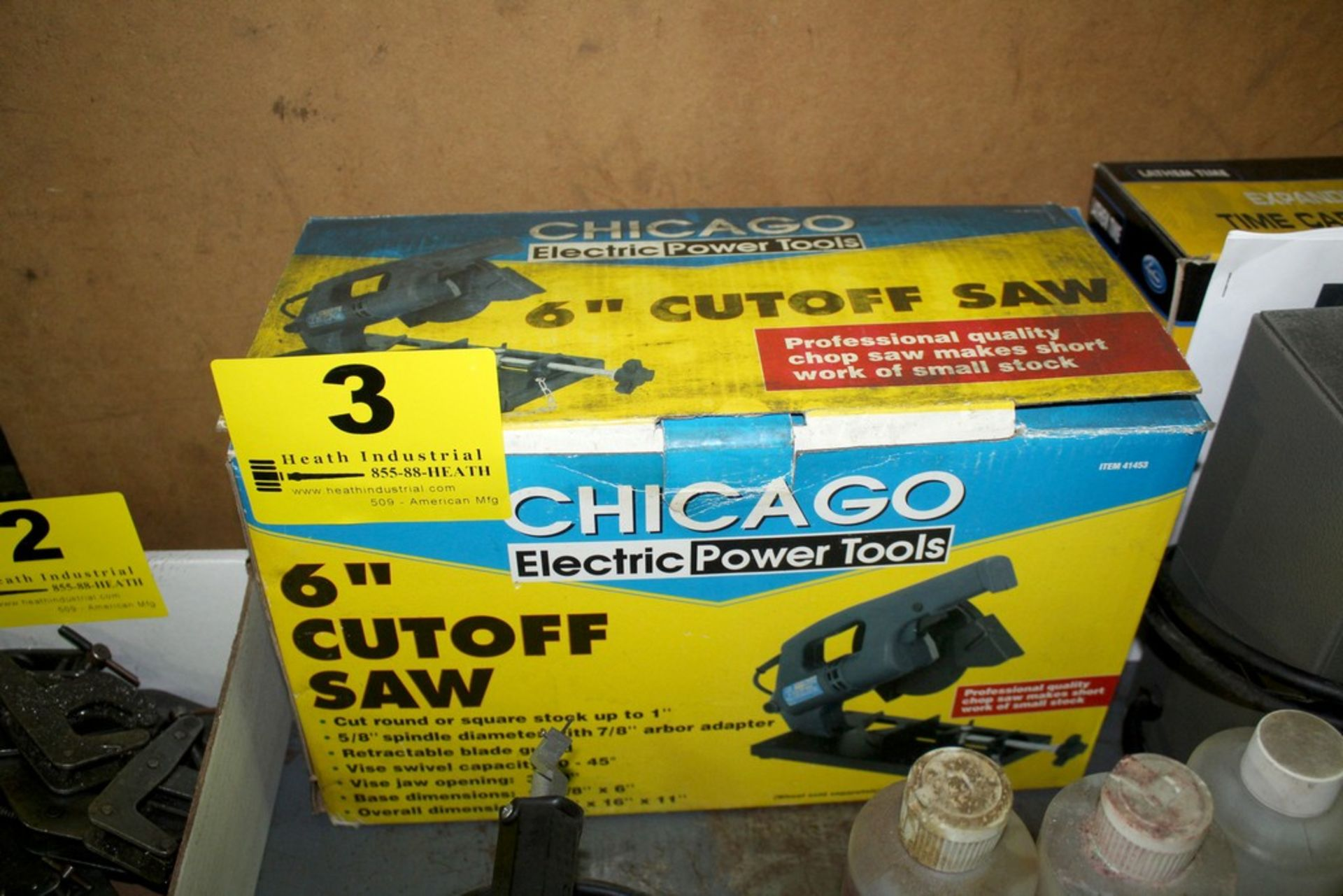 """Lot 3 - CHICAGO ELECTRIC 6"""" CUT OFF SAW IN BOX"""