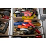 ASSORTED SCREW DRIVERS IN BOX