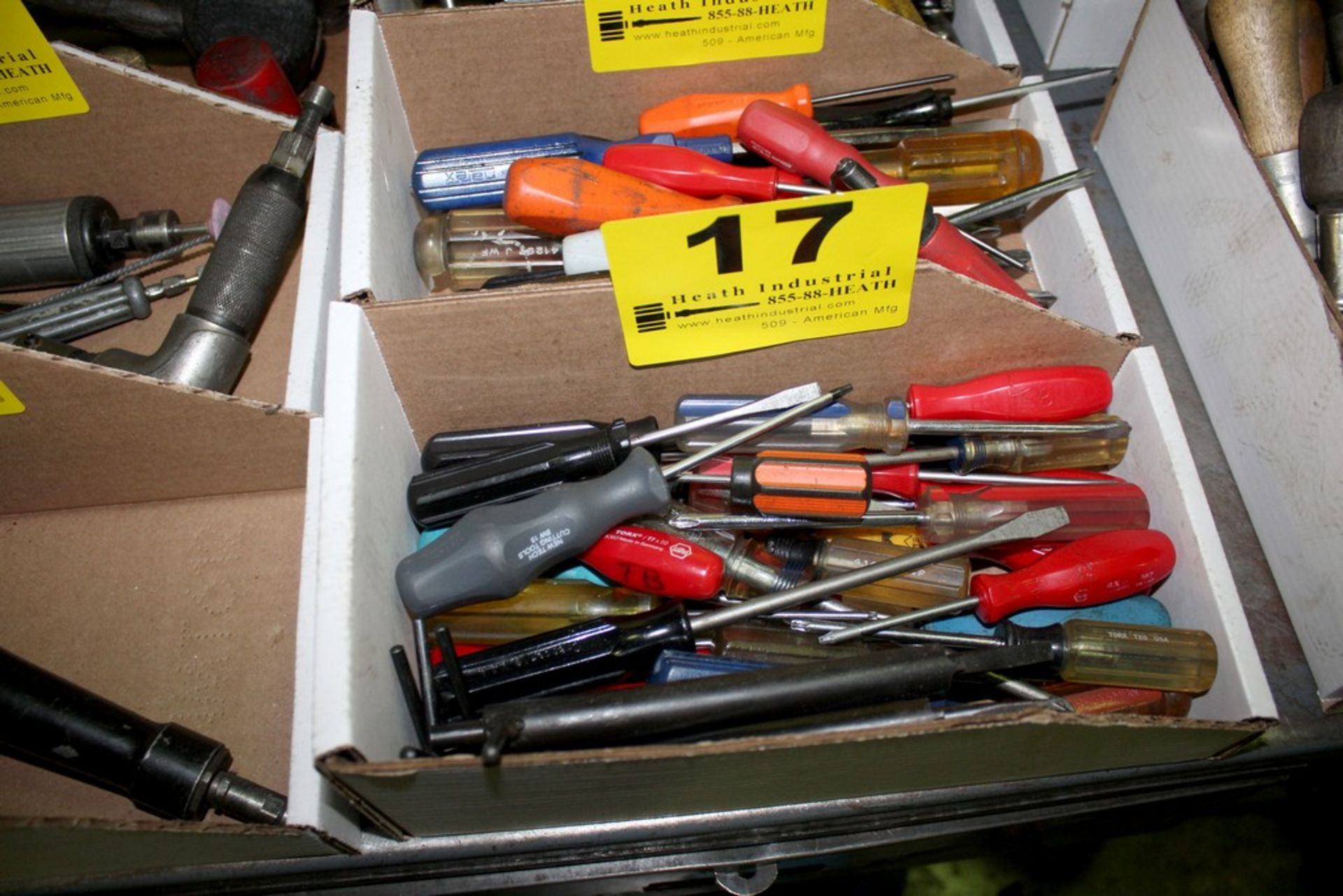 Lot 17 - ASSORTED SCREW DRIVERS IN BOX